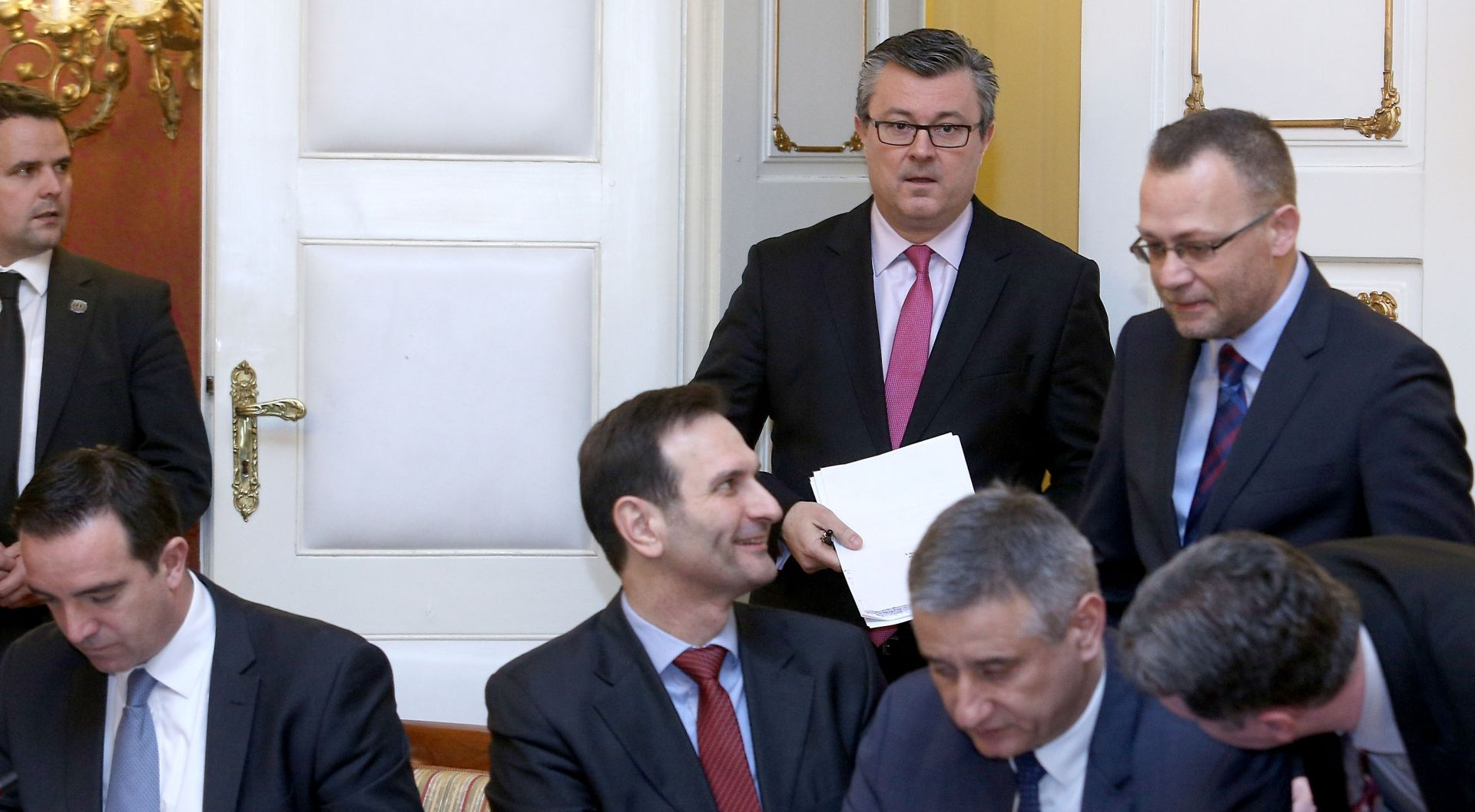 Nadzorni odbor HRT-a uputio otvoreno pismo Oreškoviću: Ministarstvo kulture ide protiv zakona