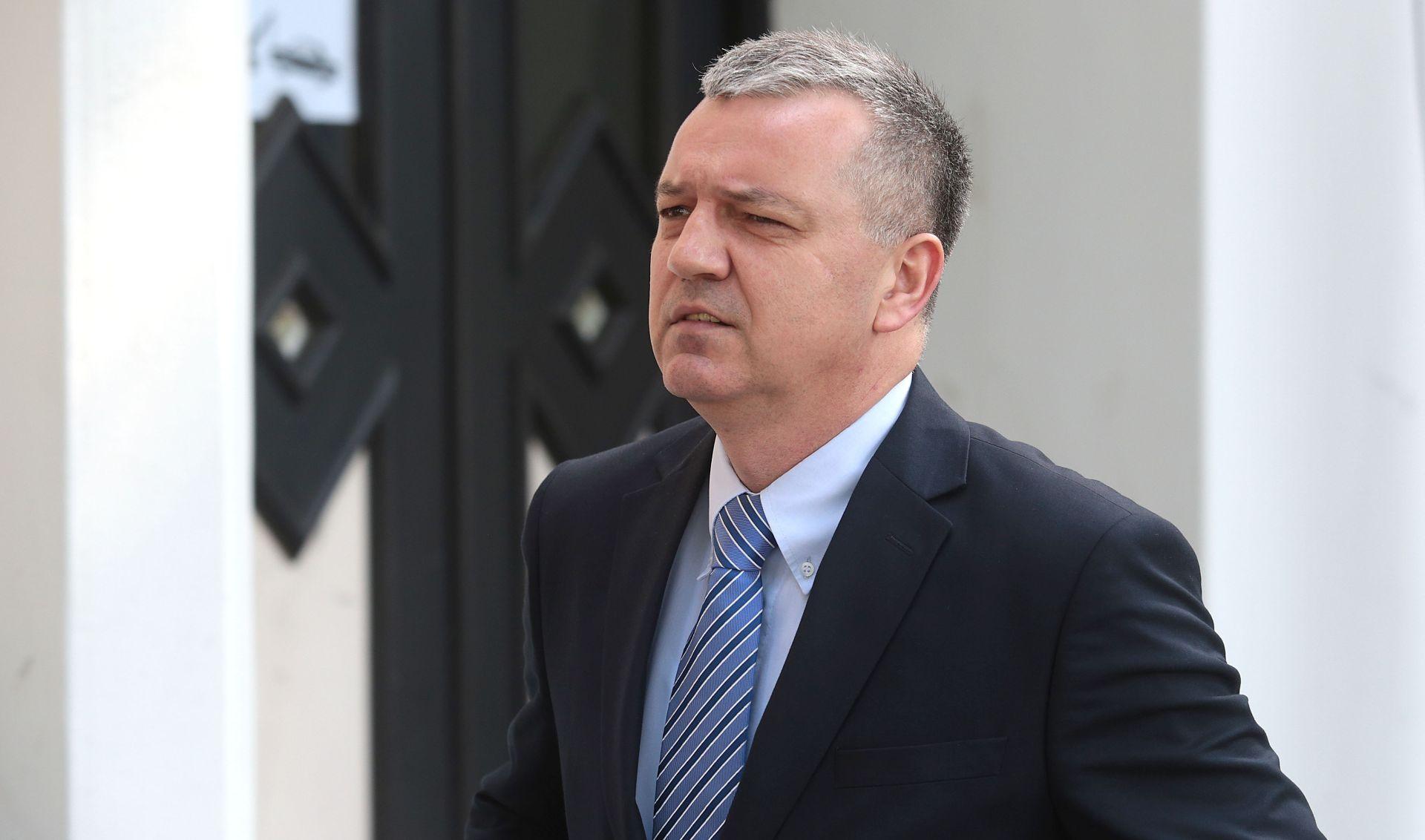 Darko Horvat provocira Plenkovića