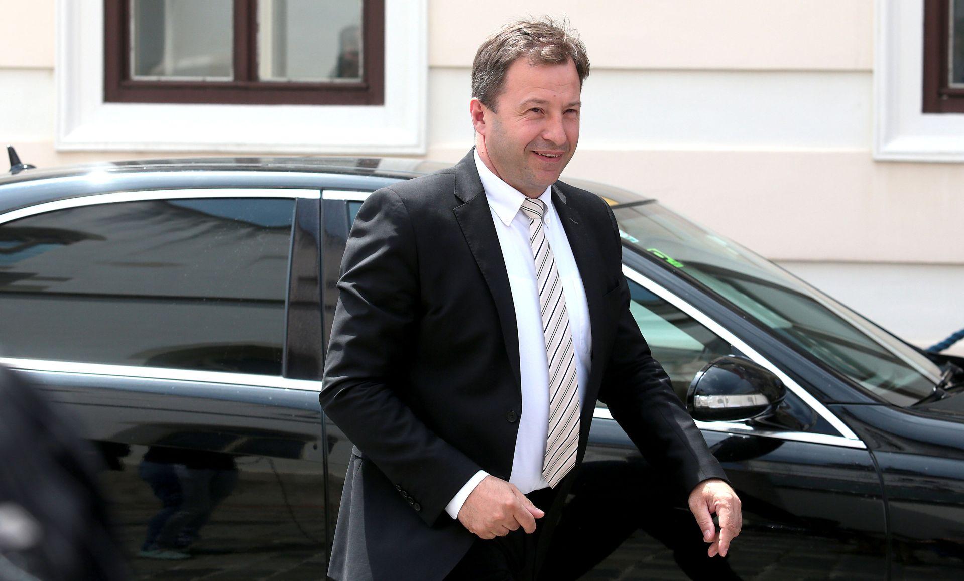 Mostov ministar odobrio štetno poslovanje Narodnih novina s HNS-om