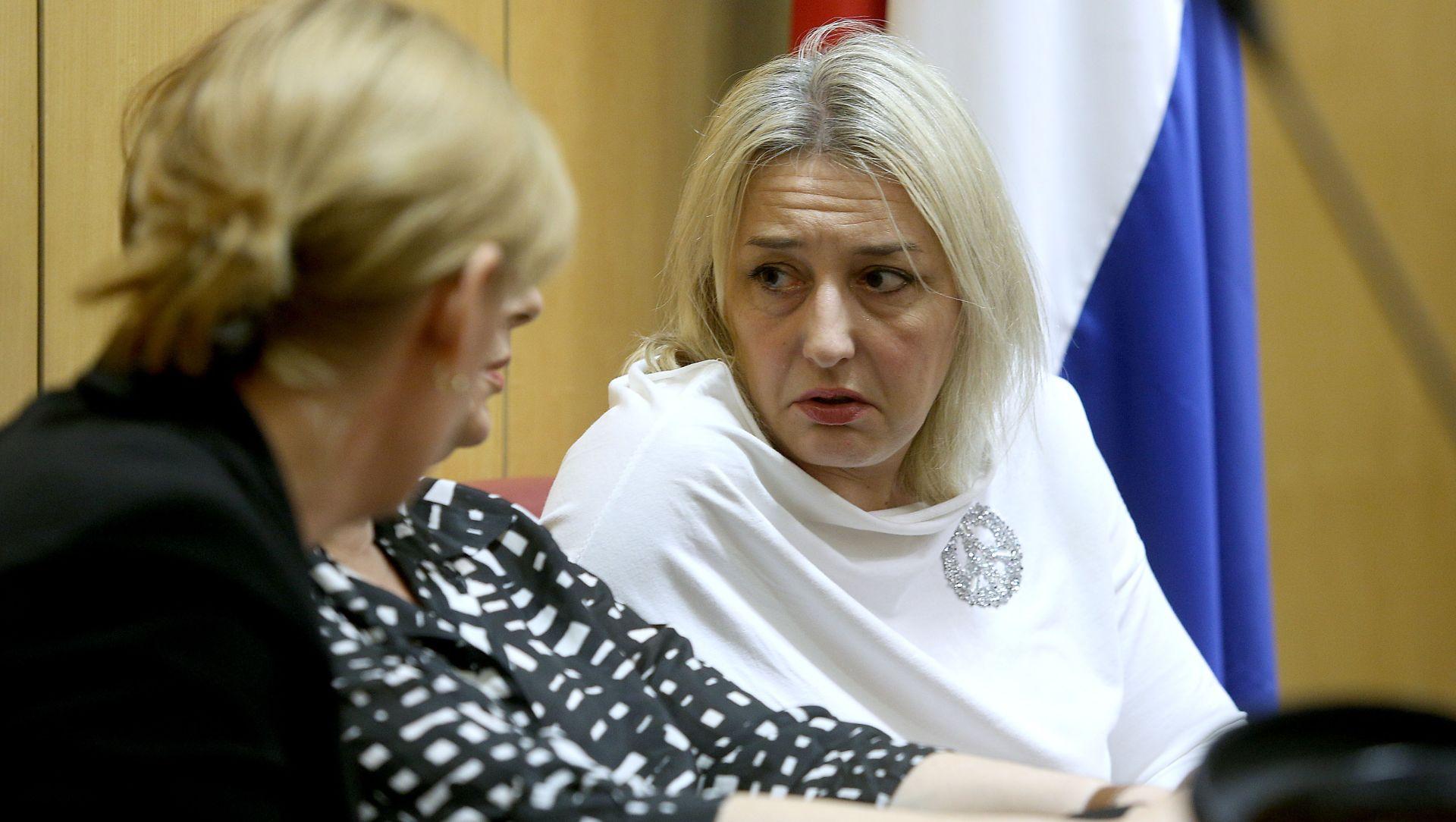 Pravobraniteljica za djecu zatražila od MZOS-a očitovanje o sudjelovanju djece na skupu u Srbu