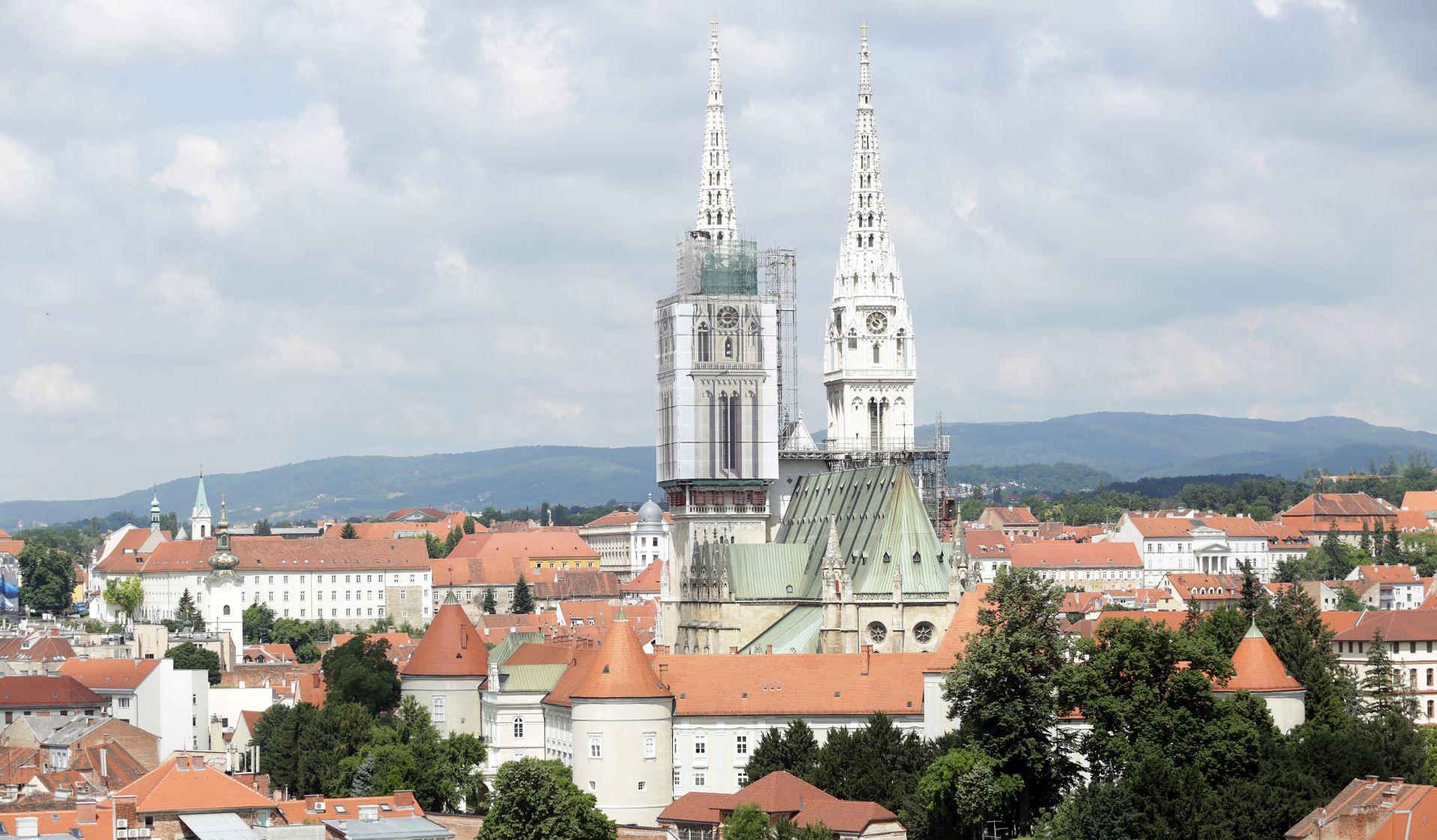 U Zagrebu dvoznamenkasti rast broja turista i noćenja u srpnju