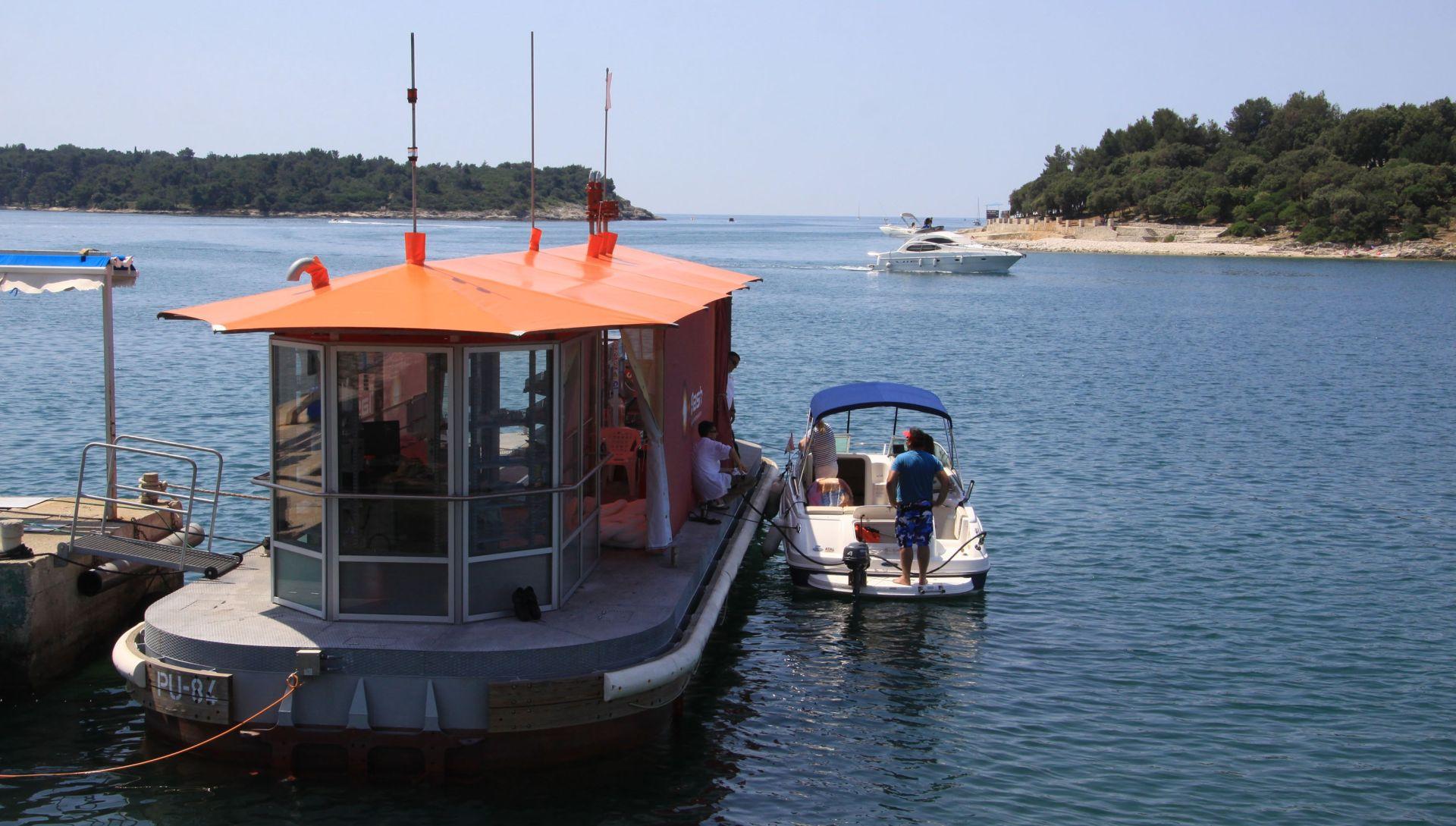 Dobar ruski biznis s plutajućim benzinskim postajama na Jadranu