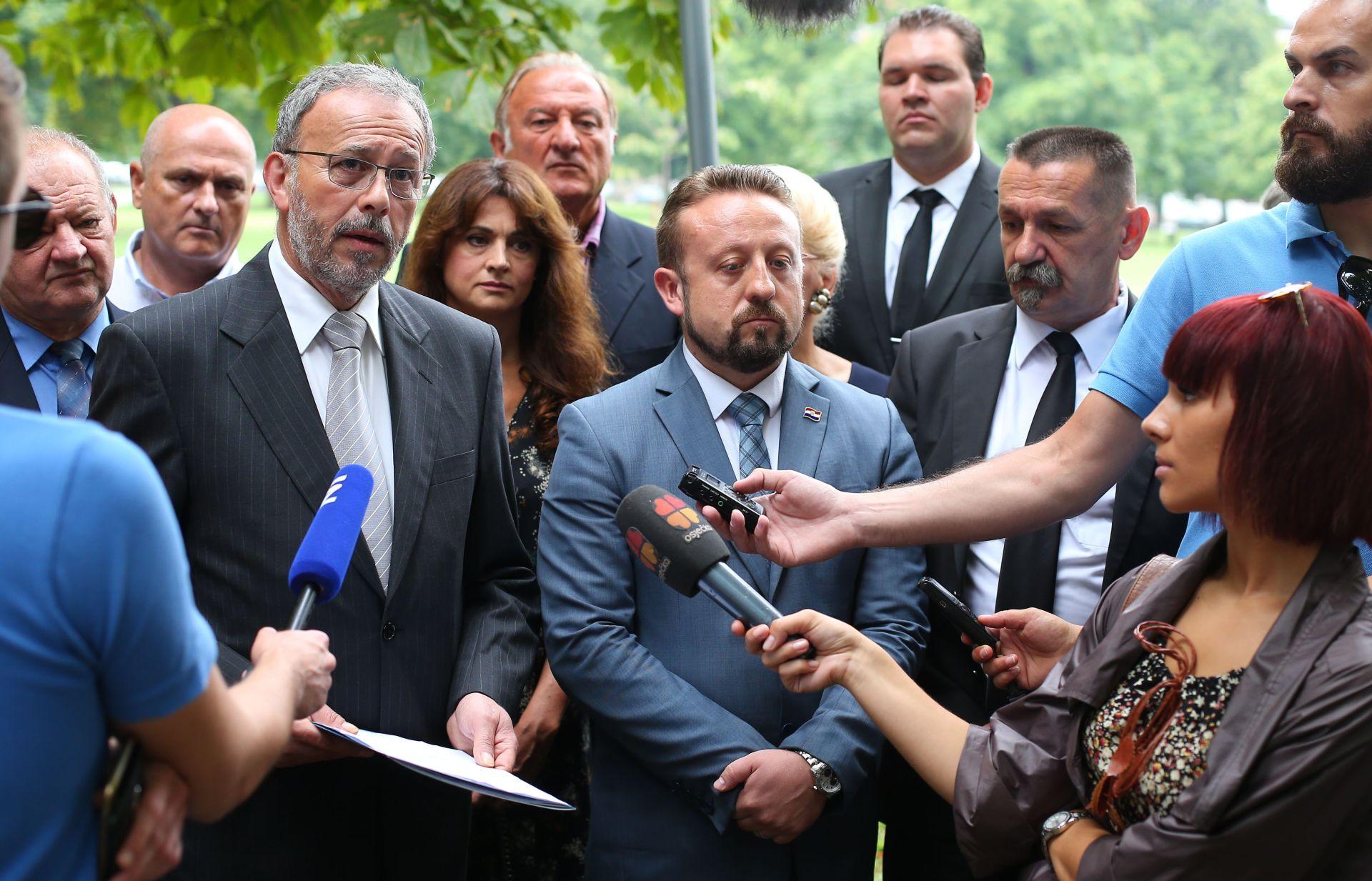 Domovinska koalicija: Milanović će početi pjevati Thompsonove pjesme