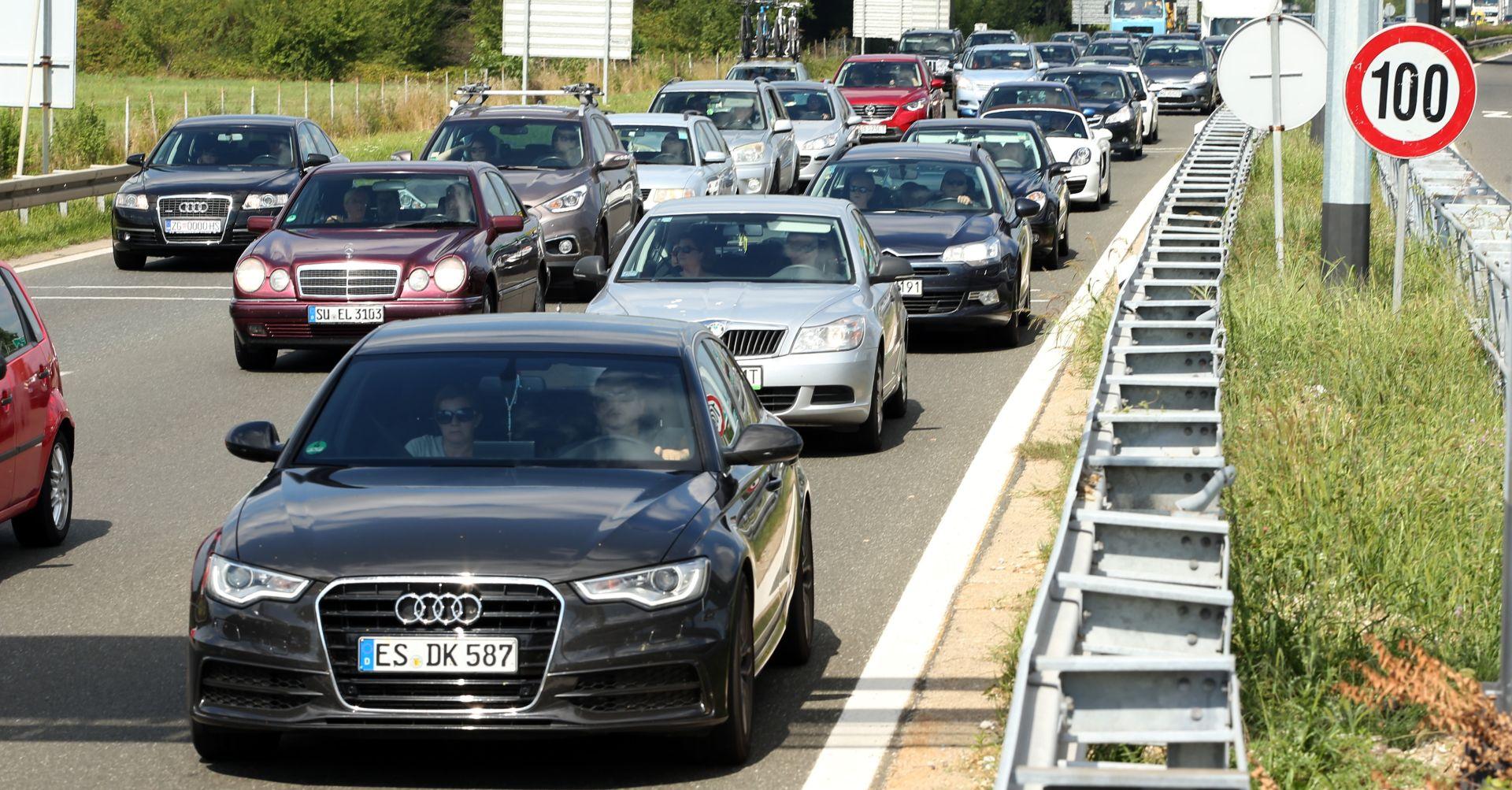 HAK Magla na cestama, pojačan promet na autocestama i graničnim prijelazima, prometna nesreća na A1