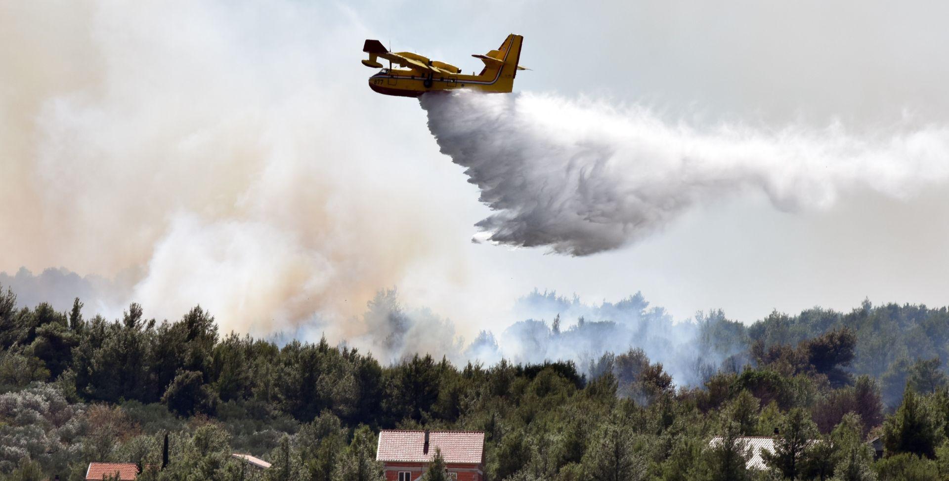 POŽARI NA ŠIBENSKOM PODRUČJU Kuće obranjene od vatre, ali požar je i dalje aktivan
