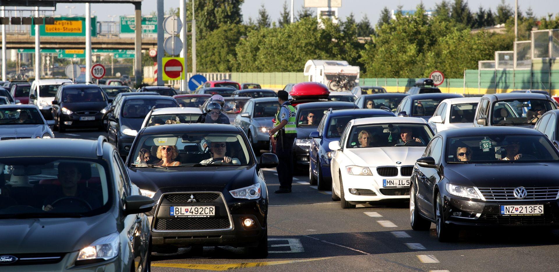 HAK Promet pojačan, kolone prema graničnim prijelazima i na Lučkom, vremenski uvjet povoljni