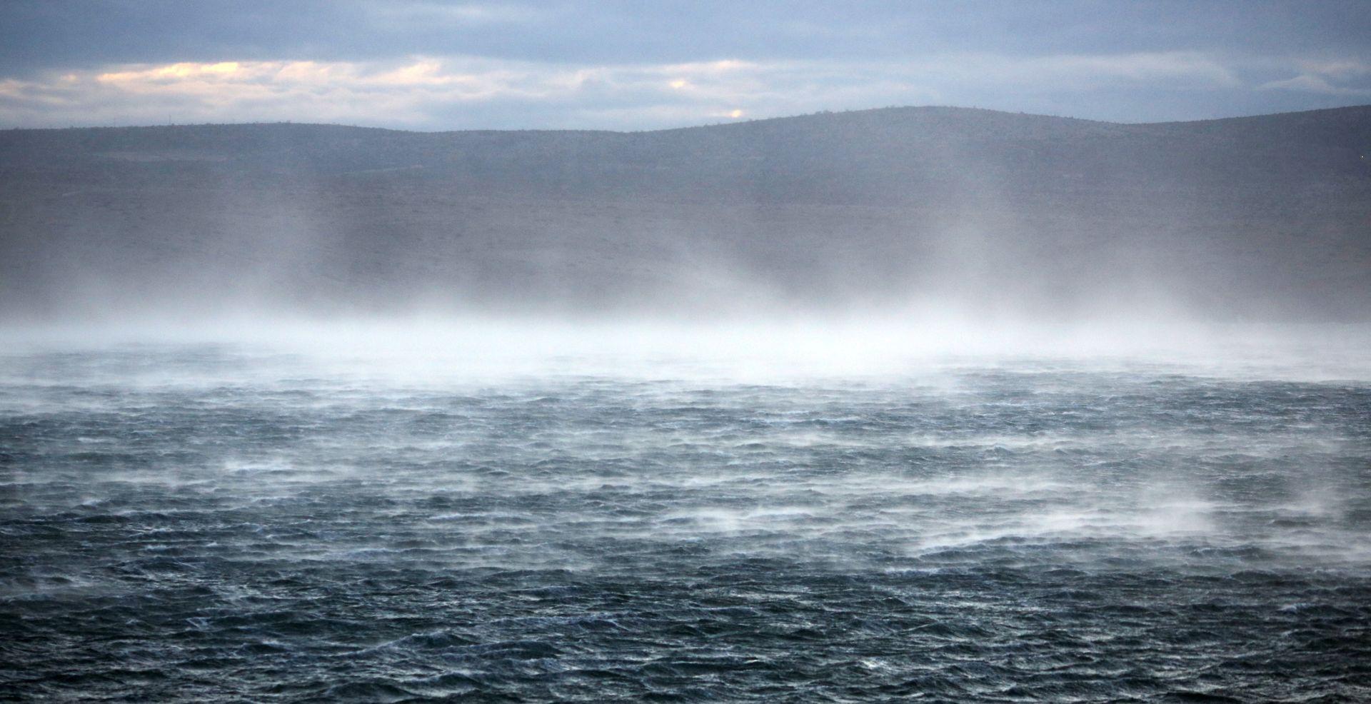 ŽUTA UPOZORENJA ZBOG JAKE BURE Pretežno sunčano, na Jadranu bura s olujnim udarima