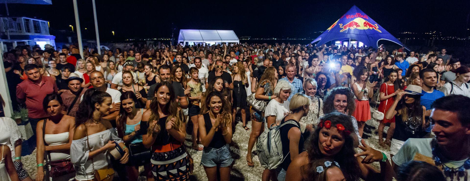 VIDEO: Uspiješno održan brački glazbeni Voi'Sa festival