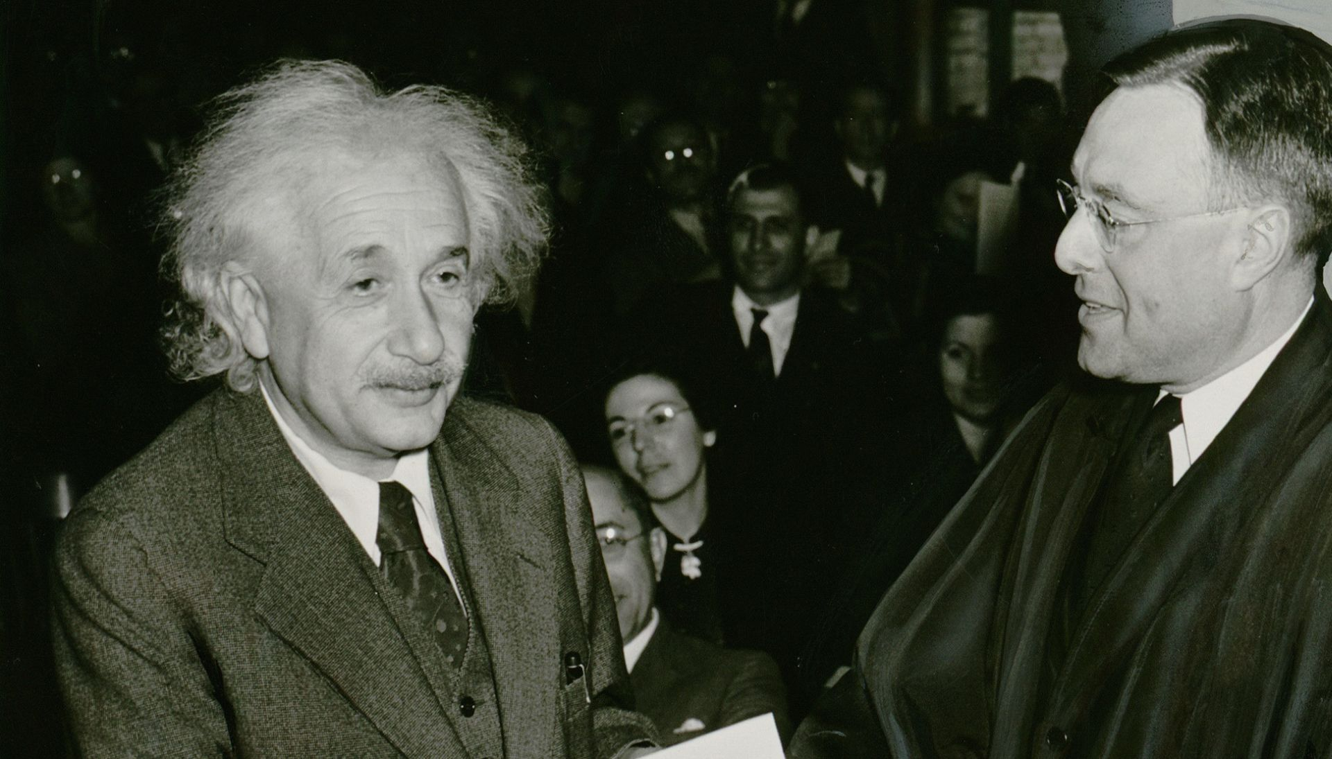 'GENIUS' Oskarovac Geoffrey Rush glumit će Alberta Einsteina u novoj seriji National Geographica