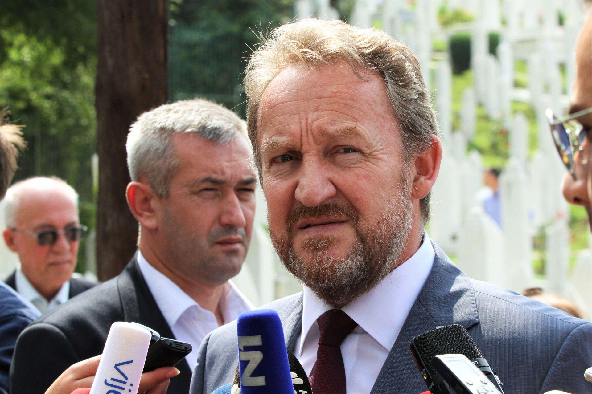 BiH: Izetbegović uvjeren da će Ustavni sud zabraniti referendum u RS