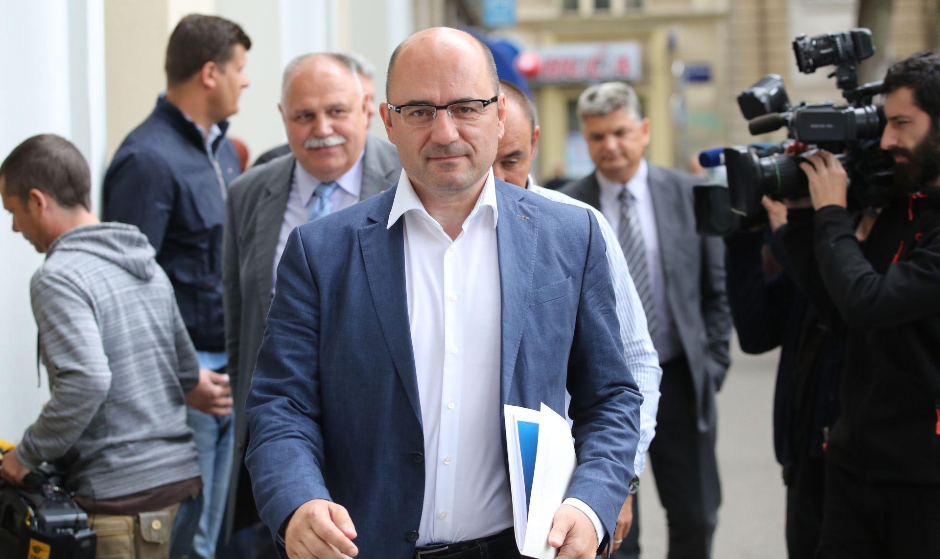 MILIJAN BRKIĆ 'Pričekati prve službene rezultate'