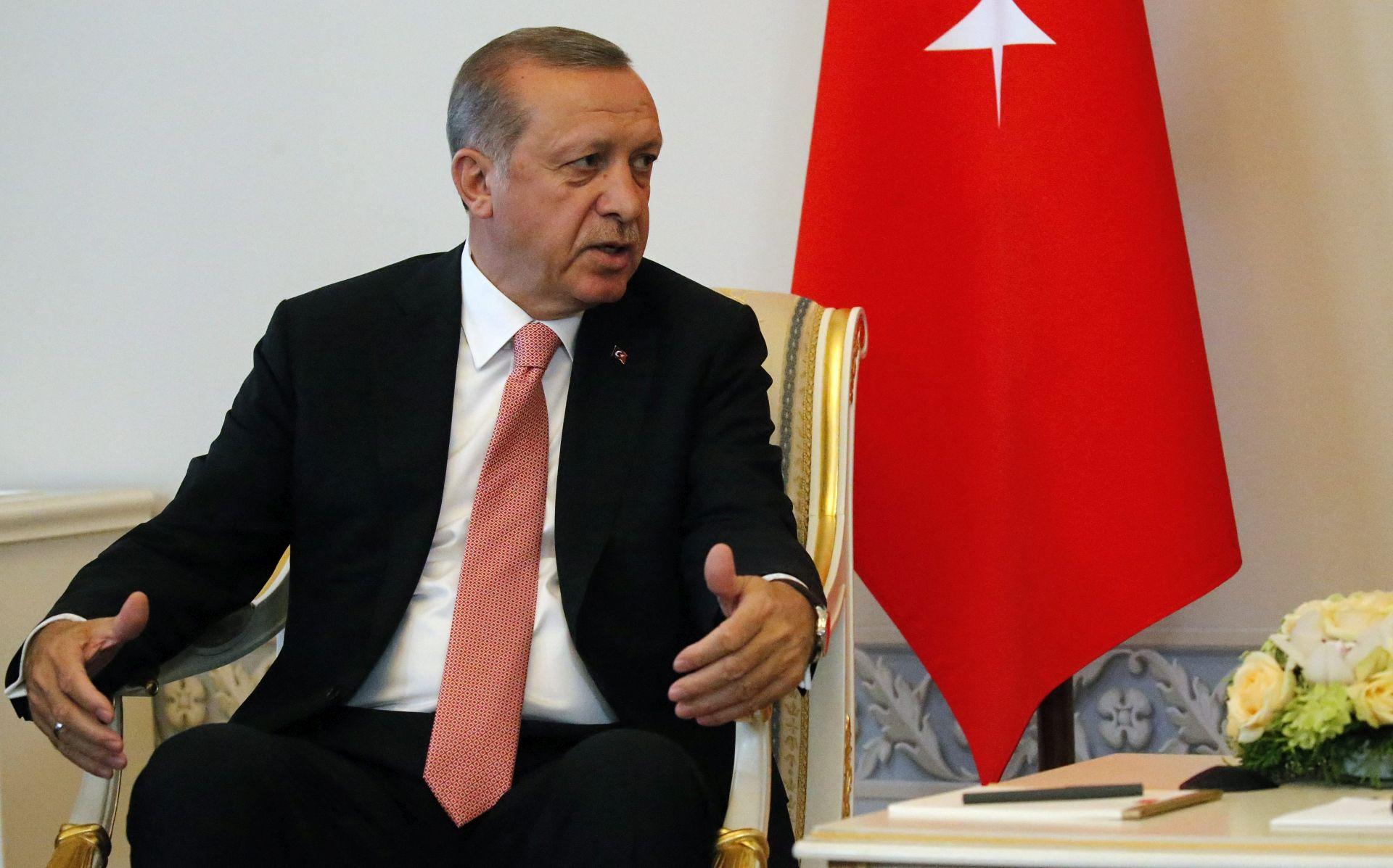REZULTATI ANKETE: Velik porast Erdoganove popularnosti nakon puča