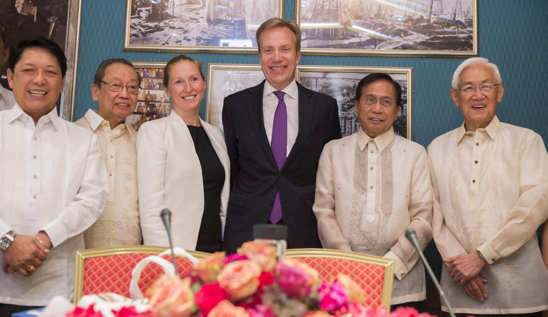 ZAVRŠETAK SUKOBA: Filipinska vlada potpisala primirje s maoističkim pobunjenicima