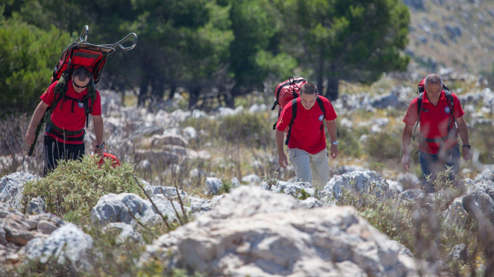 HGSS spasio planinara kojemu je pozlilo dok se kretao Premužićevom stazom