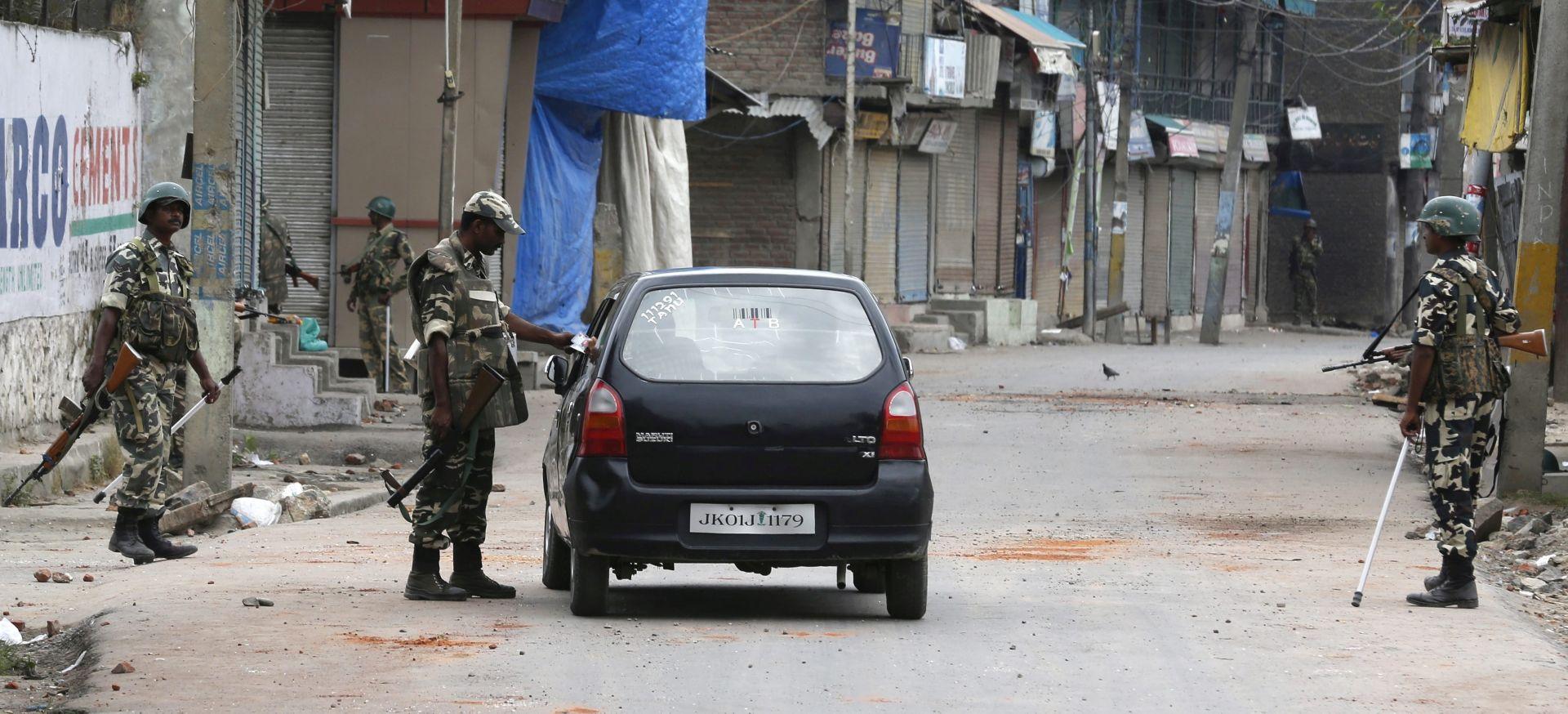 SMRT PRIPADNIKA KASTE NEDODIRLJIVIH: Suspendirano 14 indijskih policajaca