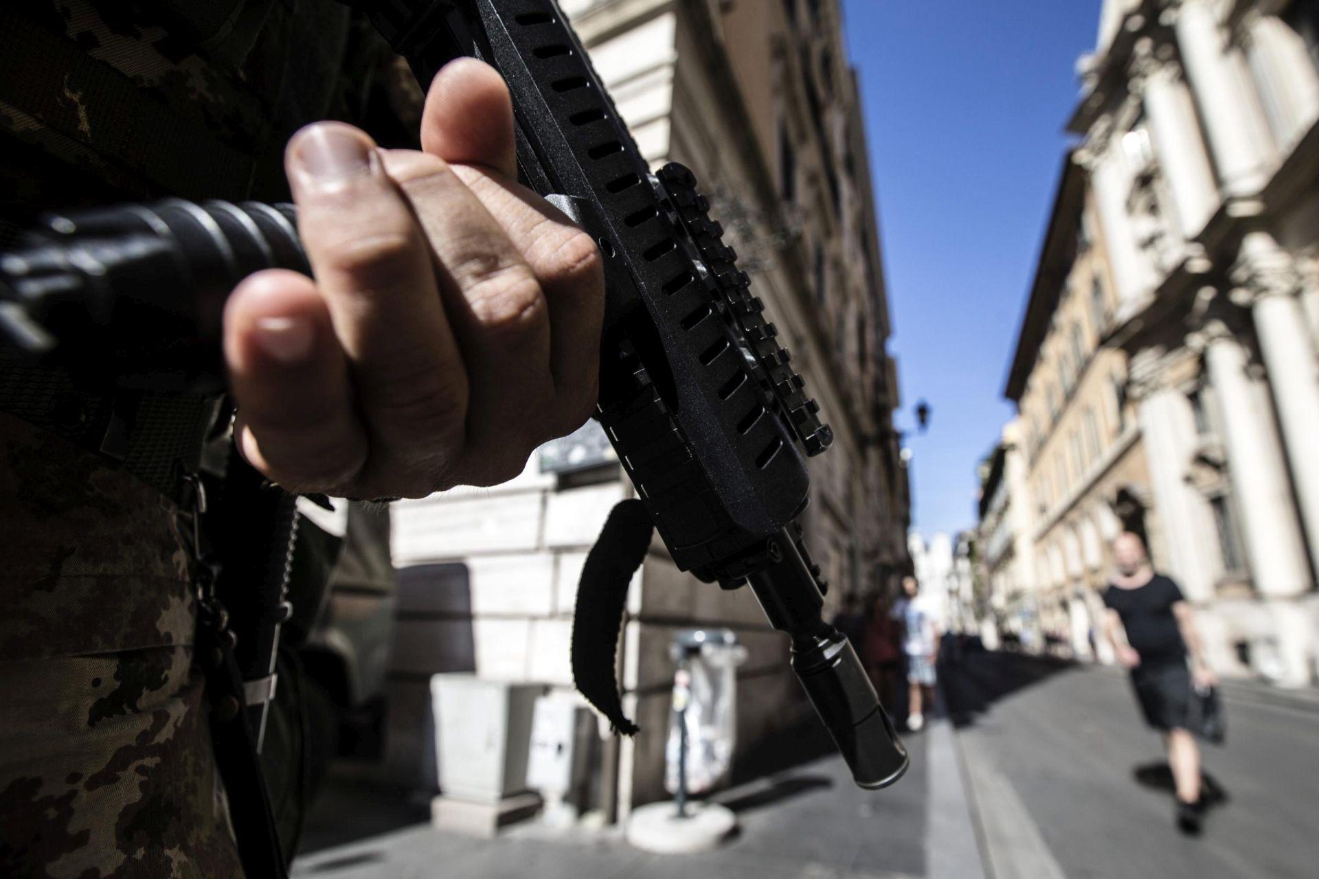 TALIJANSKA POLICIJA: Uhićeno osmero krijumčara povezanih s IS-om