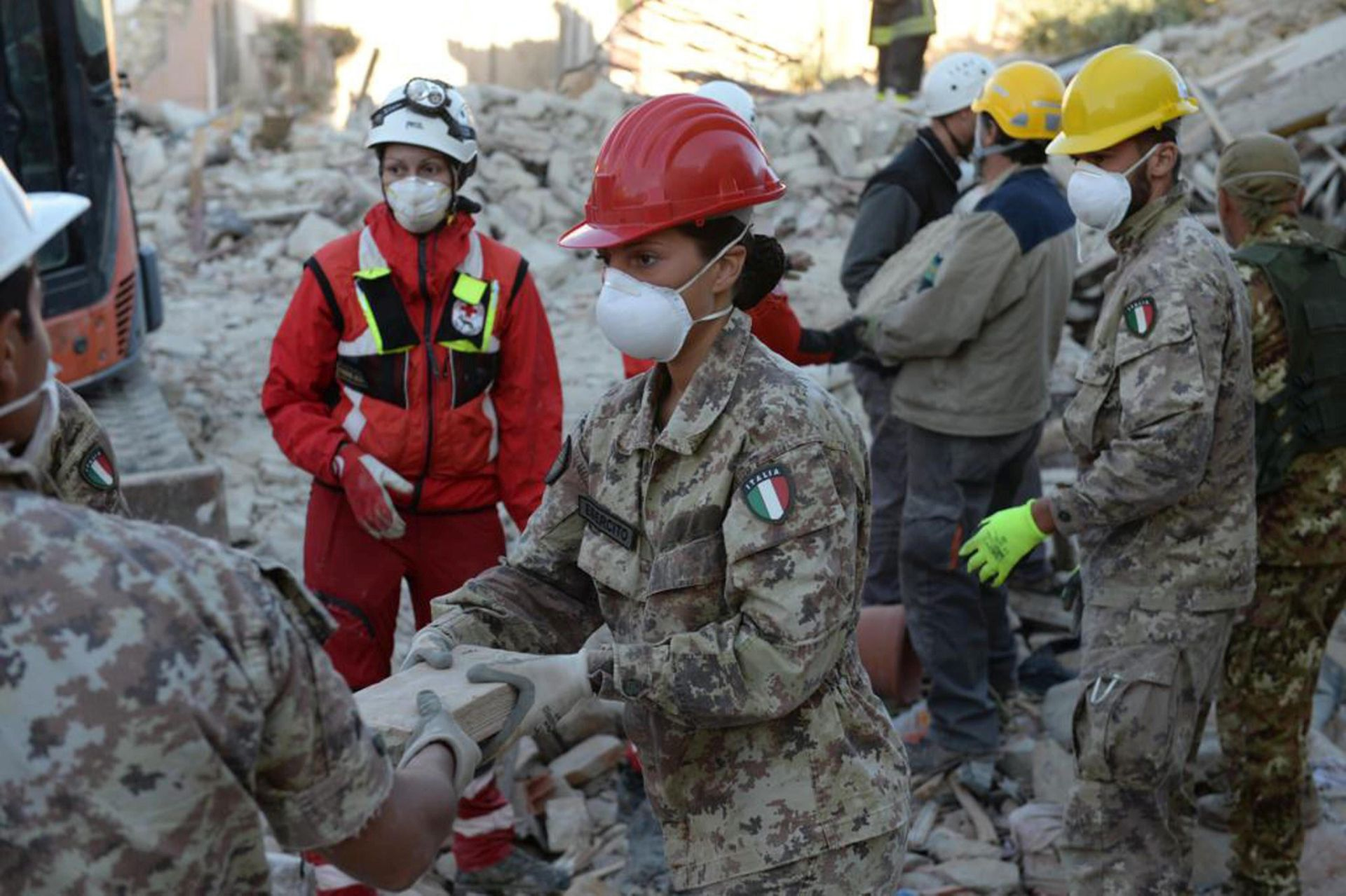 POTRAGA SE NASTAVLJA: U potresu u Italiji 278 mrtvih, u subotu dan žalosti
