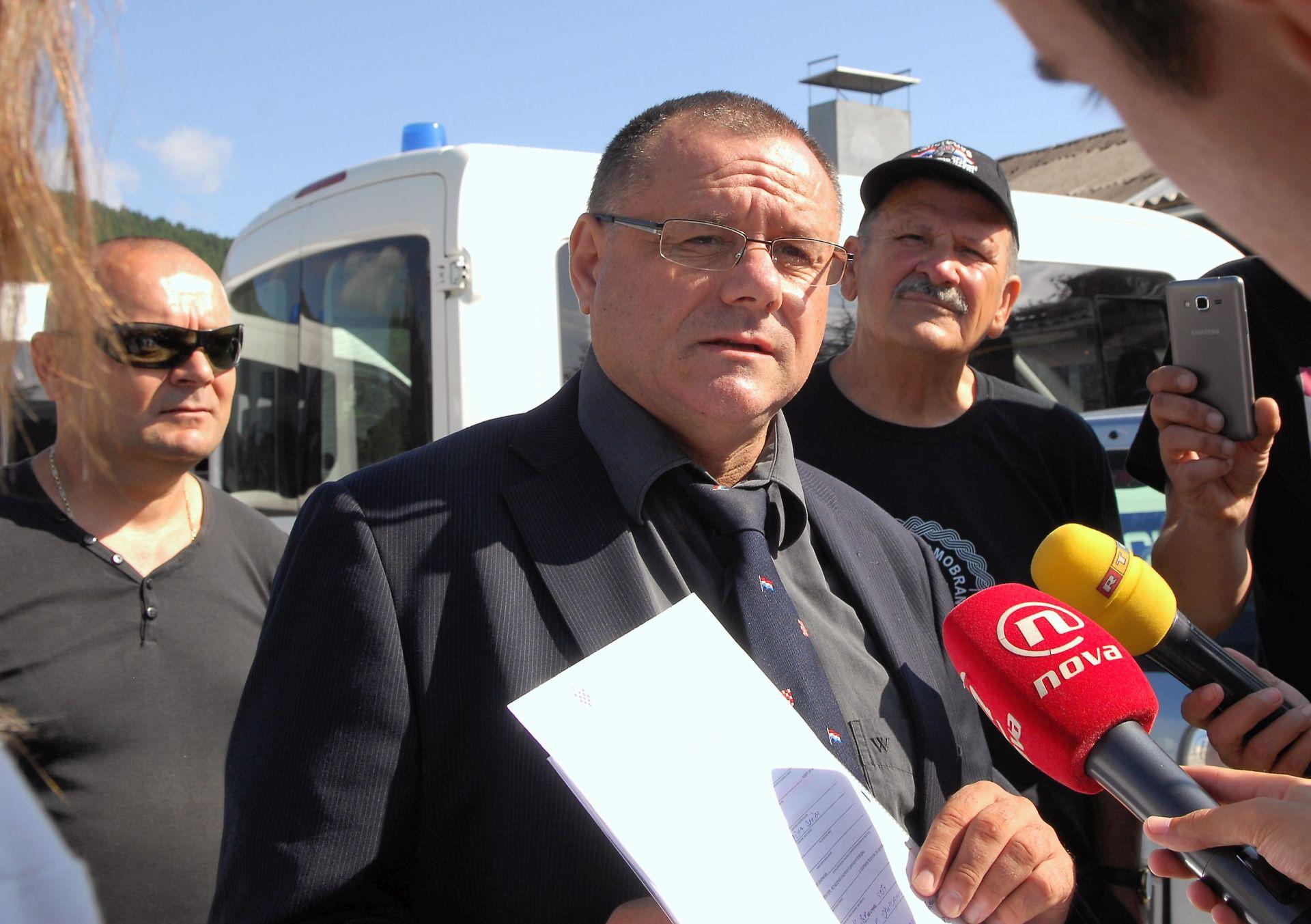 KLEMINEC: Protivnike nacionalnih interesa potjerati iz Hrvatske i oduzeti im državljanstvo