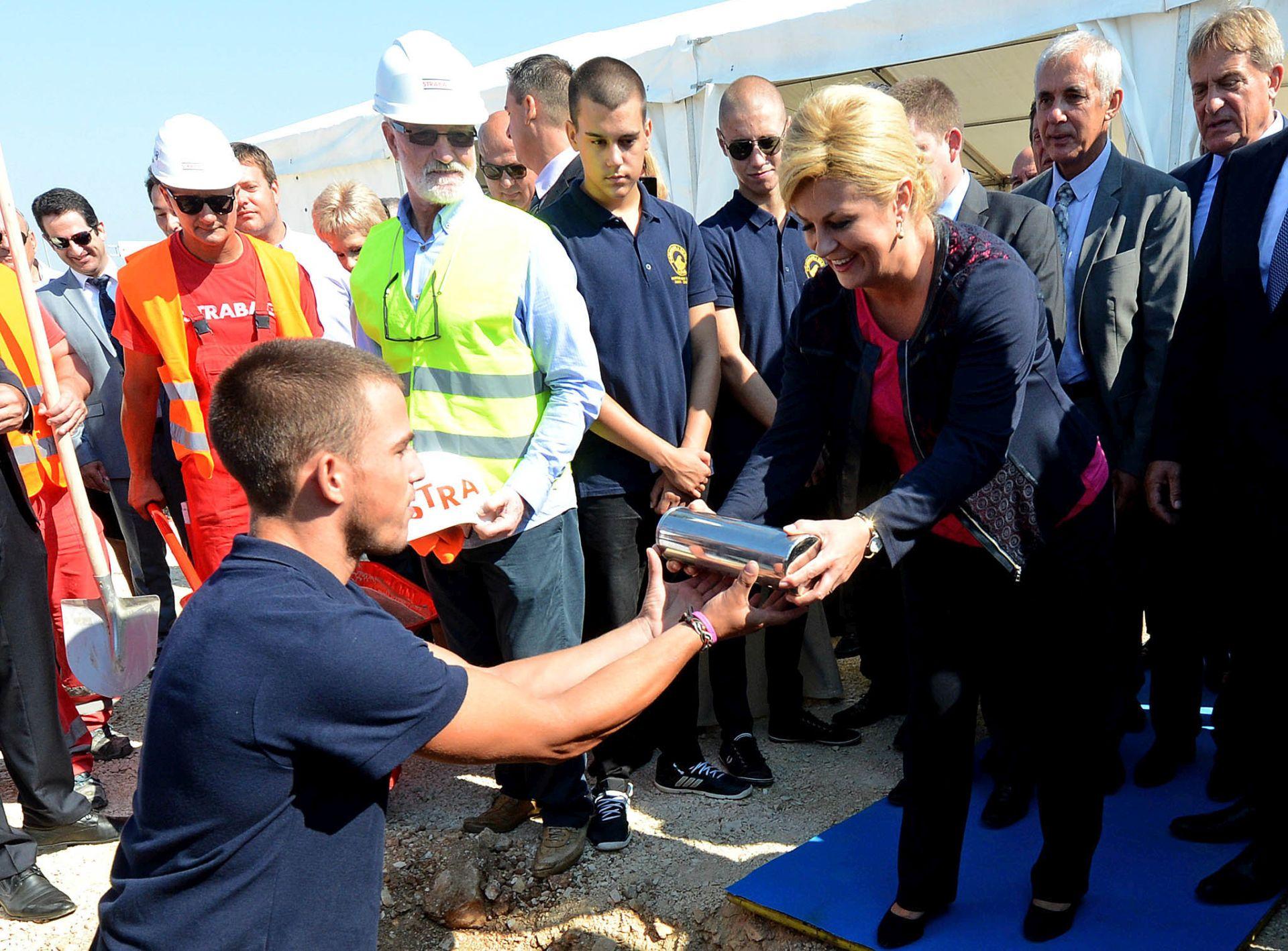 POLOŽEN KAMEN TEMELJAC: Počinje gradnja novog putničkog terminala u Gaženici