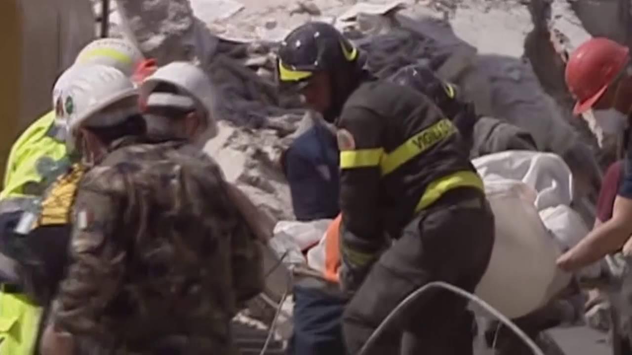 VIDEO: SNAŽAN POTRES U ITALIJI Poginulo najmanje 120 ljudi, stotine nestalih pod ruševinama