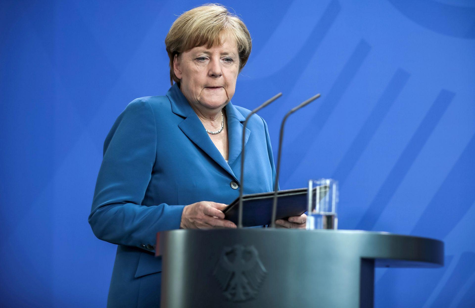 POTREBENE OBUKE I USAVRŠAVANJE: Merkel pozvala tvrtke da zaposle izbjeglice