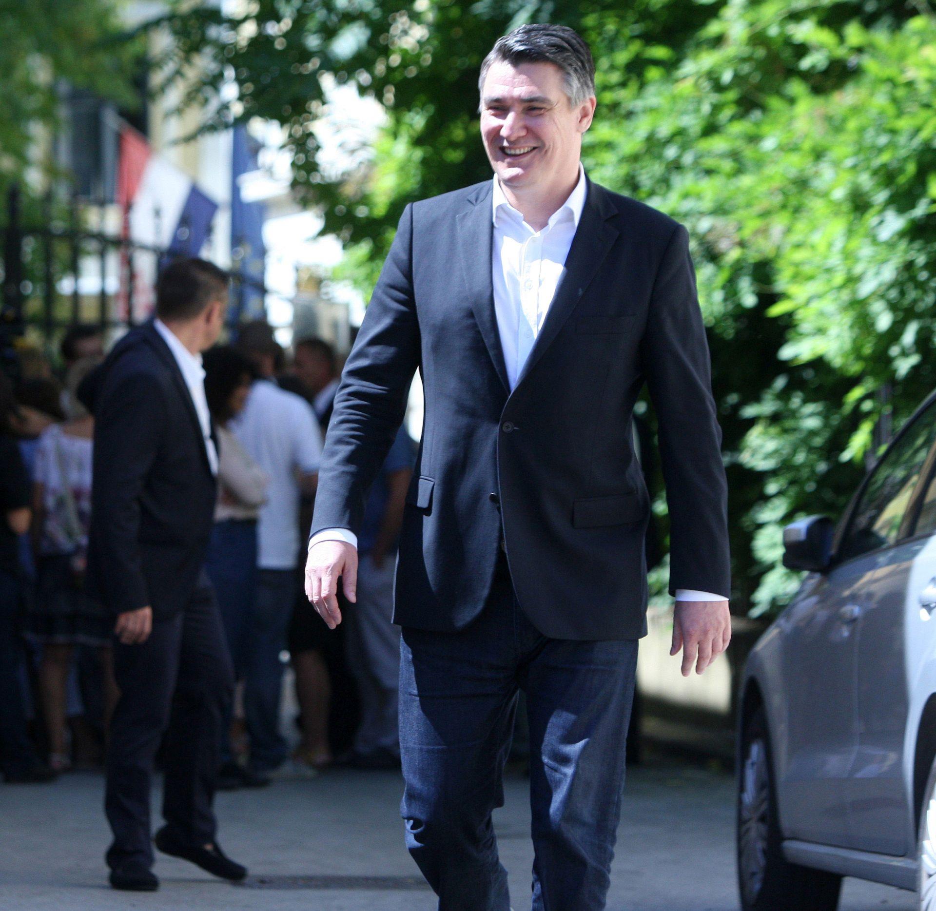 ANKETA POKAZALA: 32,2 posto građana kao najboljeg premijera vide Zorana Milanovića