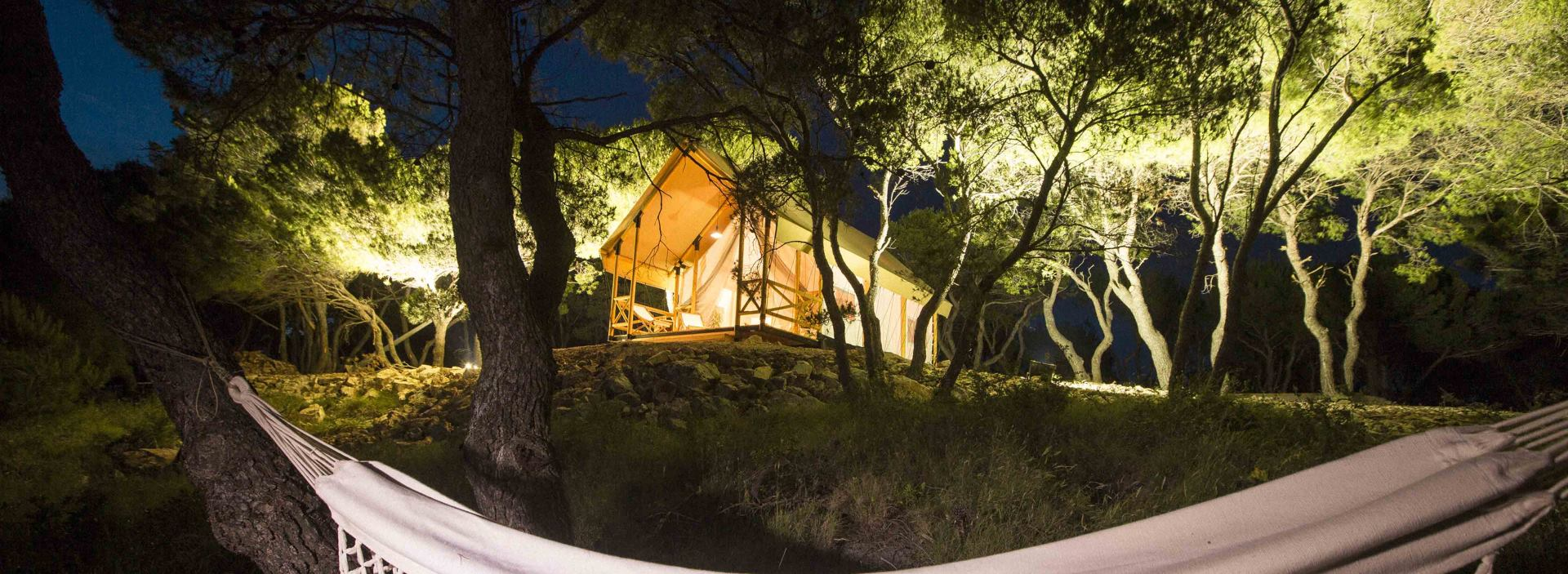 FOTO: Otok Obonjan predstavio adute za početak sezone