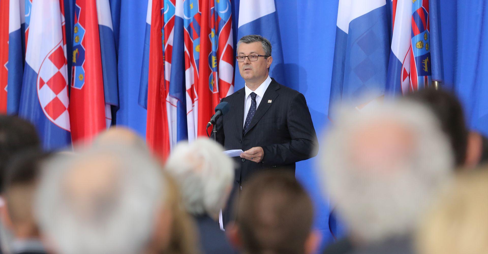 STIGLA REAKCIJA: Tehnički premijer nama namjeru nastaviti karijeru u diplomaciji