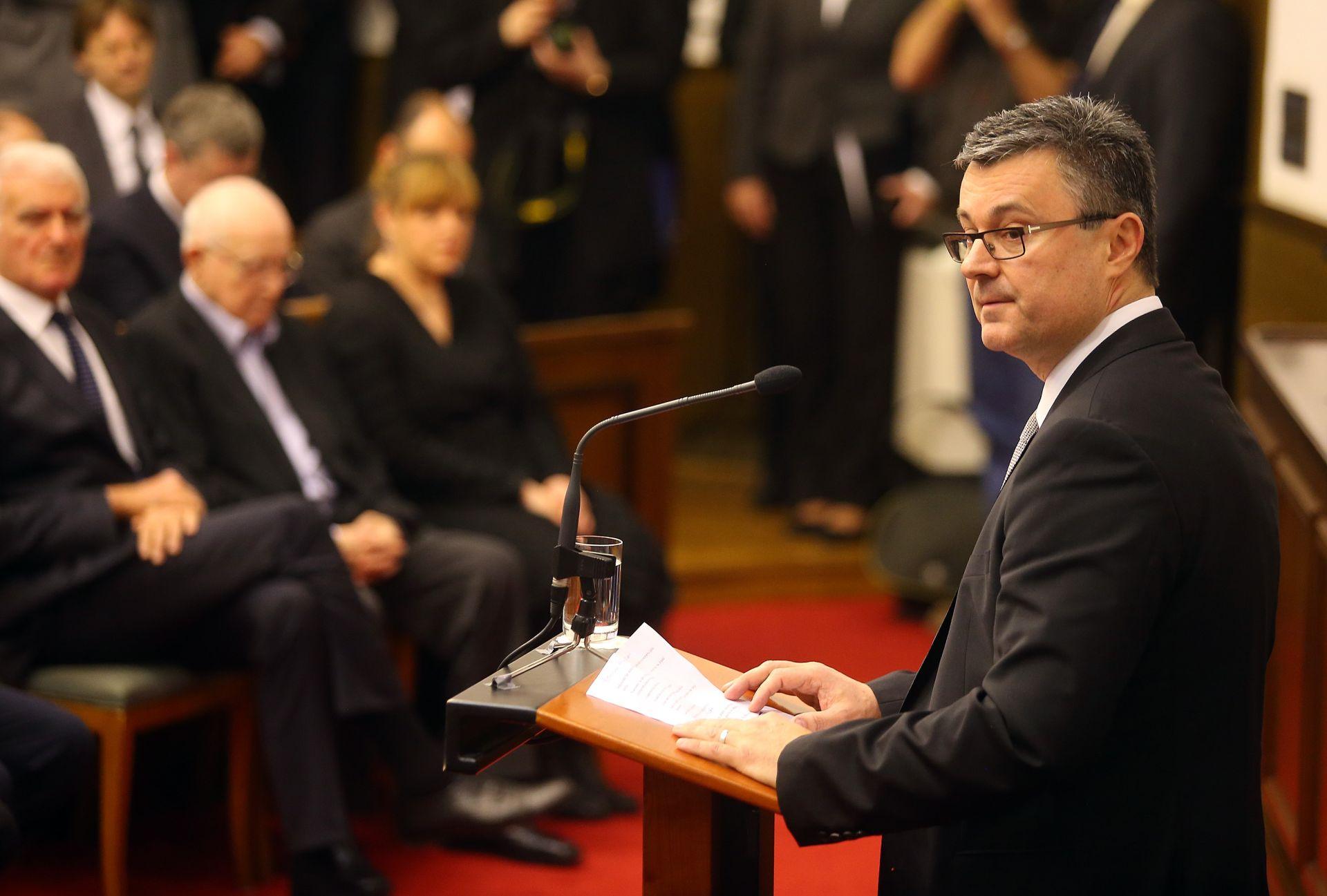 POTRES U ITALIJI: Reiner i Orešković uputili izraze sućuti talijanskim kolegama