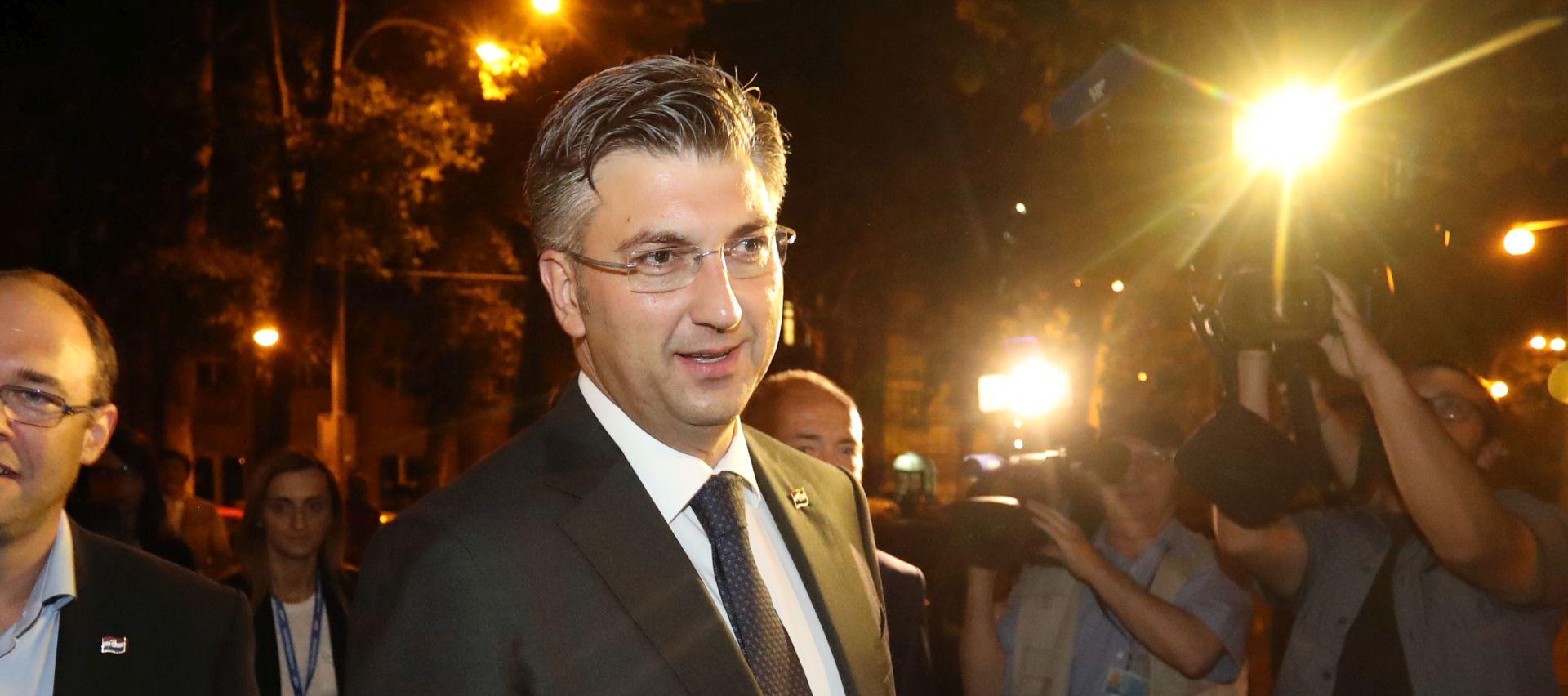 """Plenković """"neuspješnim spinom"""" nazvao izjednačavanje njega i Karamarka"""