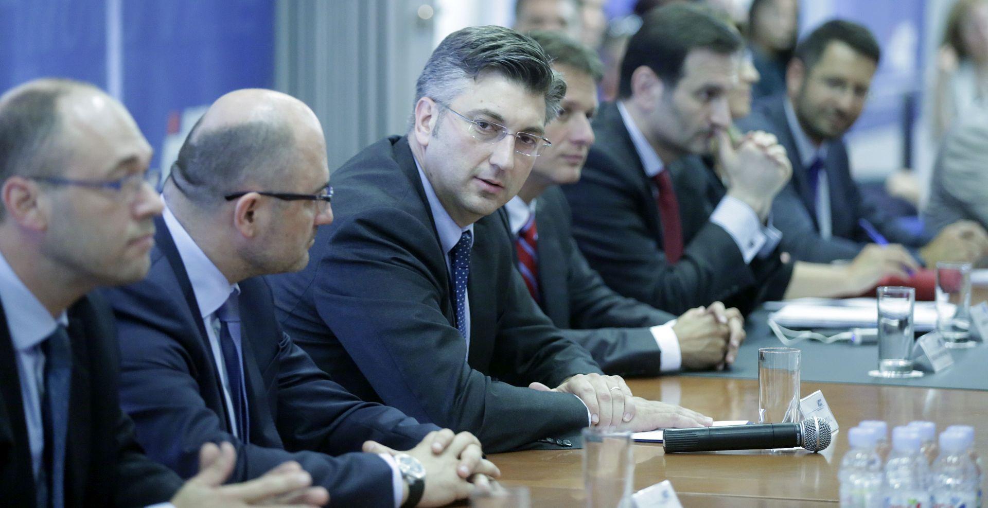 ANDREJ PLENKOVIĆ: 'Iskazujem spremnost na sučeljavanje na javnom servisu'