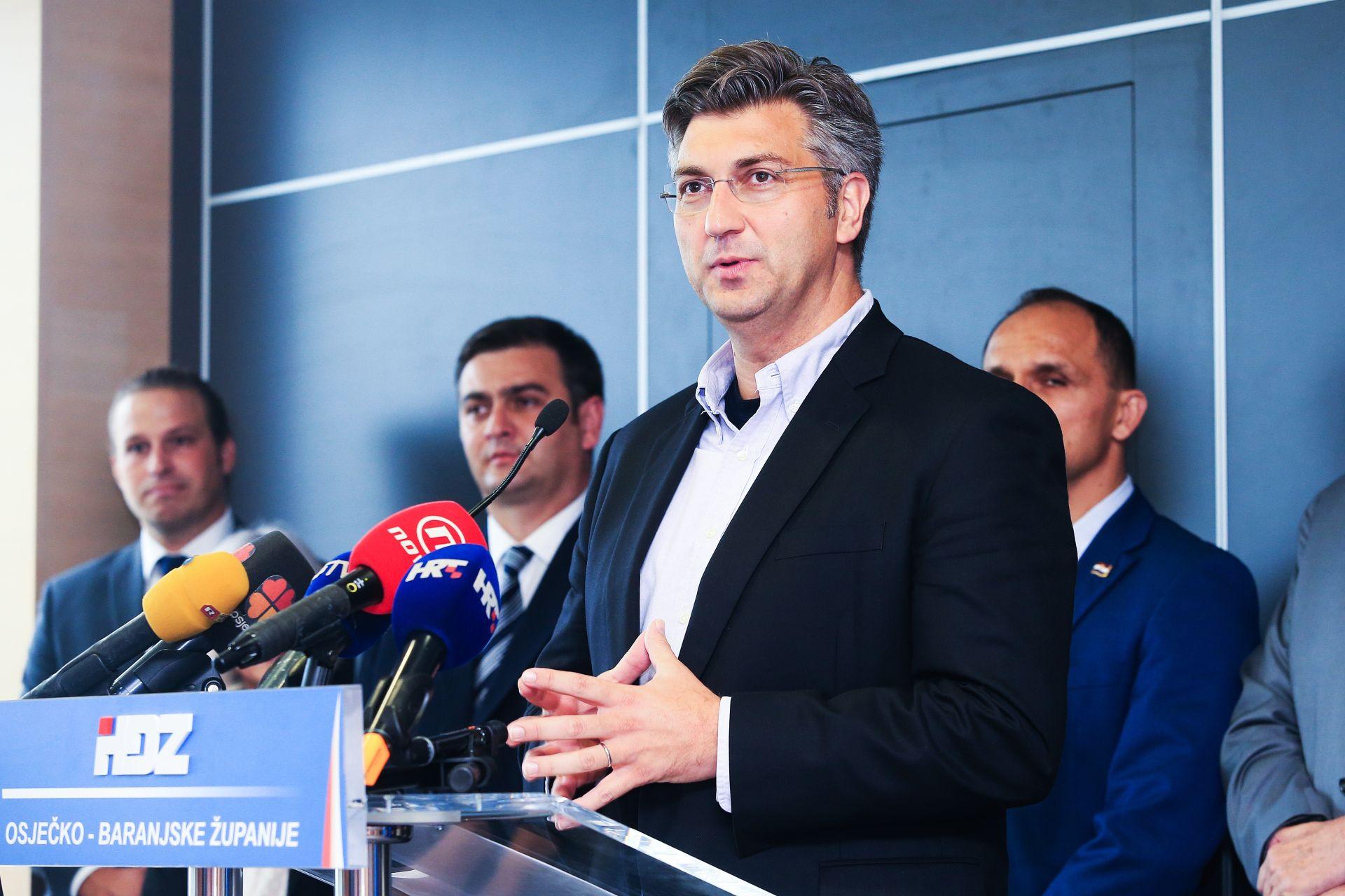 Plenković: Kao kršćanin mogu oprostiti Milanoviću što mi je uvrijedio majku, ali zaboraviti – nikada