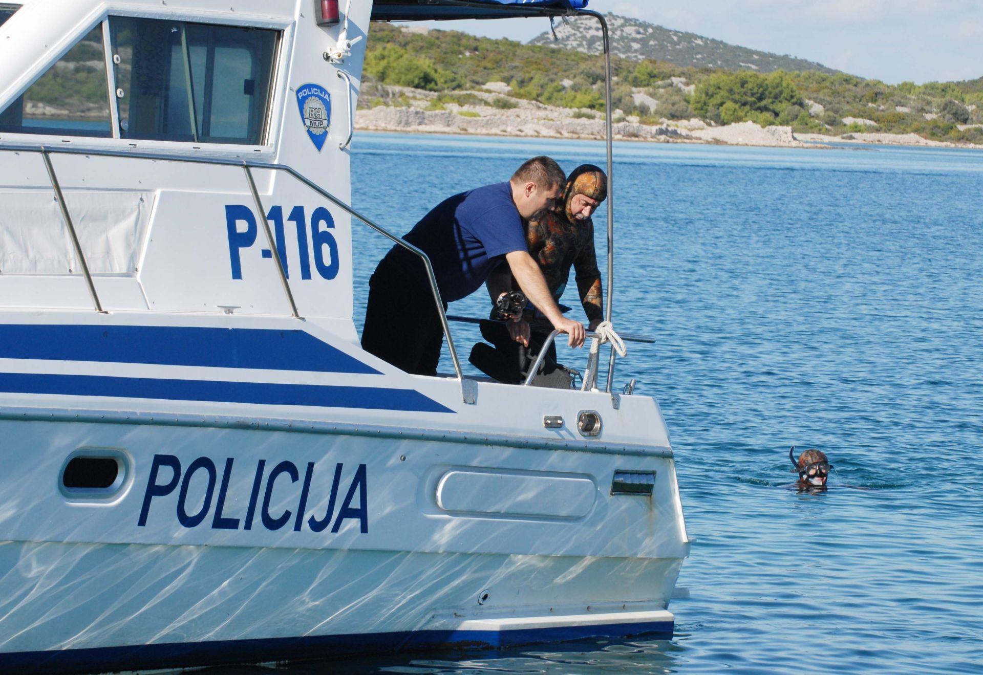 NASTAVAK POTRAGE: U podmorskoj špilji na otoku Cresu nestao mađarski ronilac