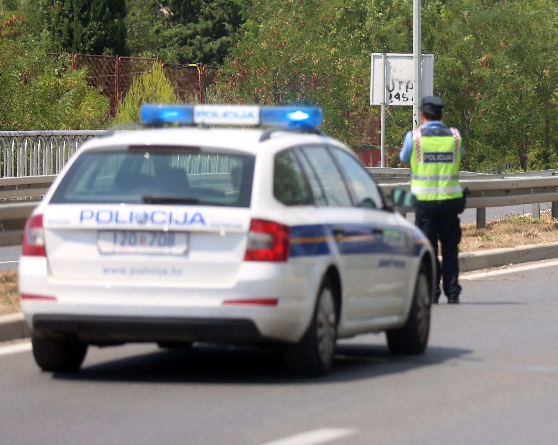 Kod Županje vozilom naletio na mladića koji je ležao na cesti