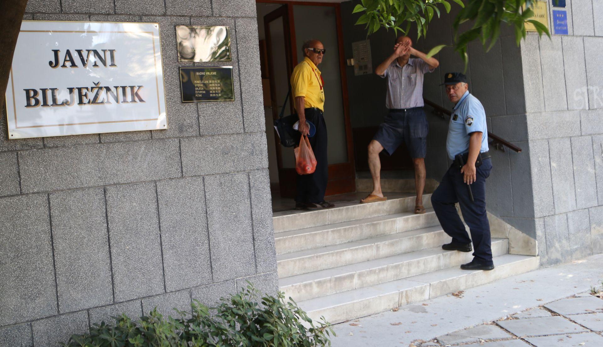TALAČKA KRIZA U SPLITU: Cijela akcija okončana, uhićen muškarac koji je prijetio škarama