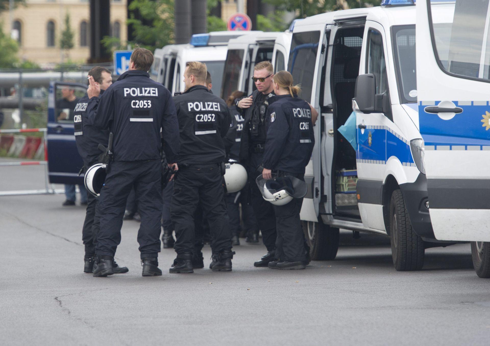 Dvojica kineskih turista uhićeni u Berlinu zbog nacističkog pozdrava