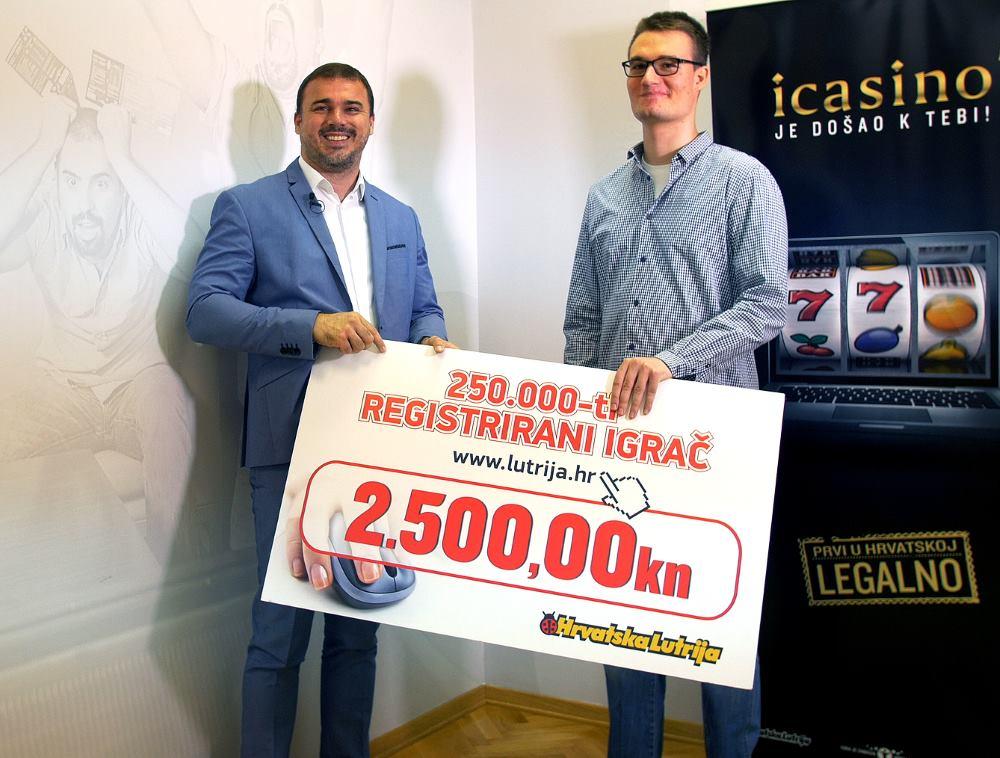 Danijel Ferić predao je nagradu Lovri Čupiću