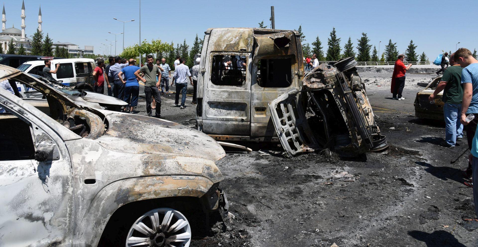 AUTOBOMBA: Novi napad PKK u Turskoj, troje mrtvih i 120 ranjenih