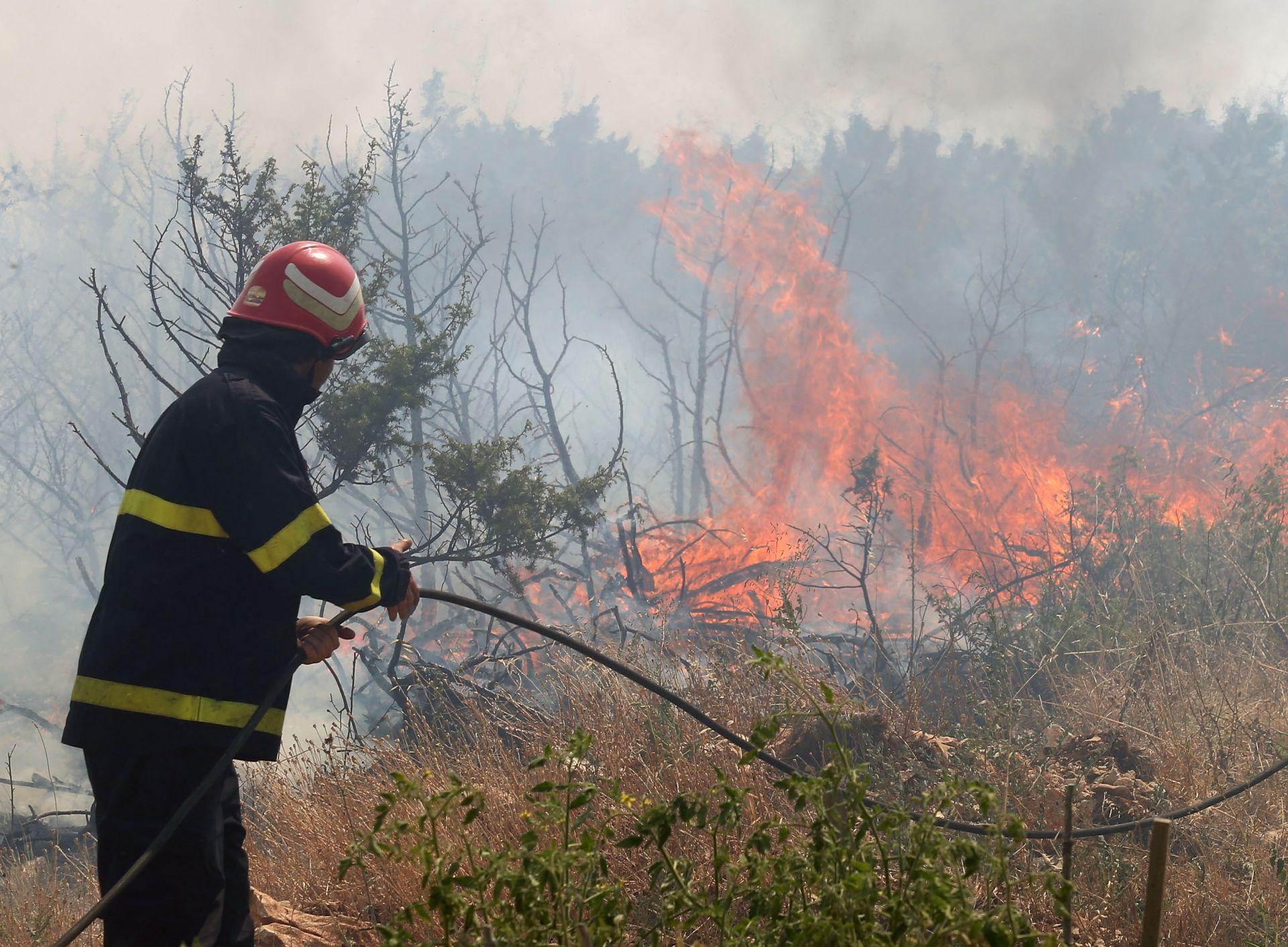 AKTIVIRAN POŽAR: Ponovno gori šuma na području Šestanovca