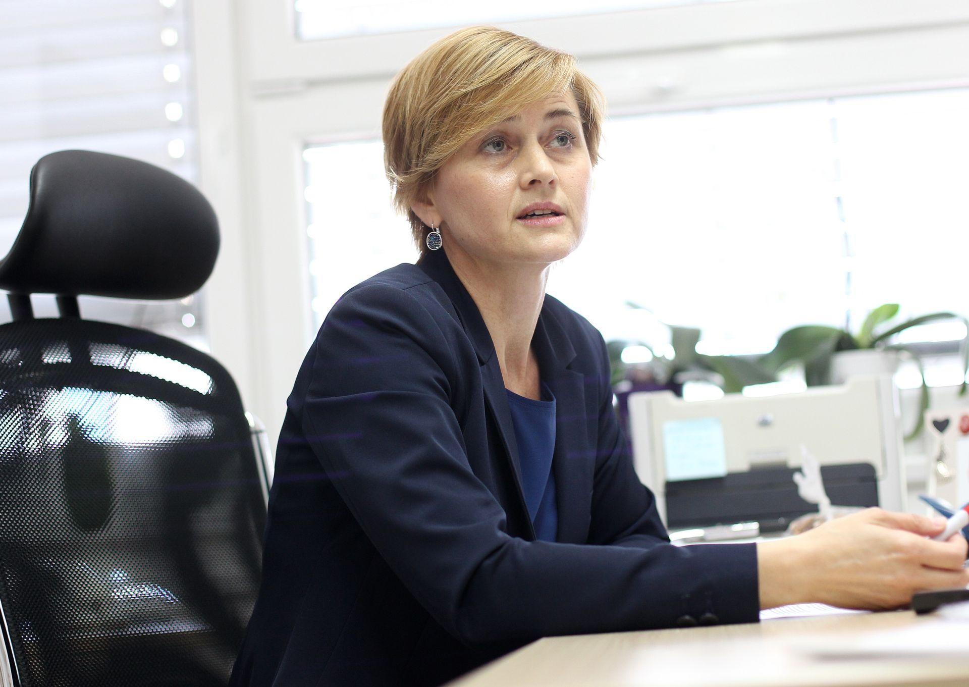 SANDRA ŠVALJEK: 'Zahtjev za smjenom dekana Previšića treba staviti u proceduru odlučivanja'