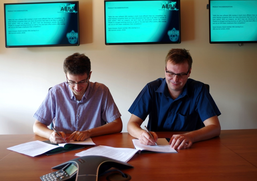 Ivan Lozančić i Ivica Hasanec potpisuju Ugovor