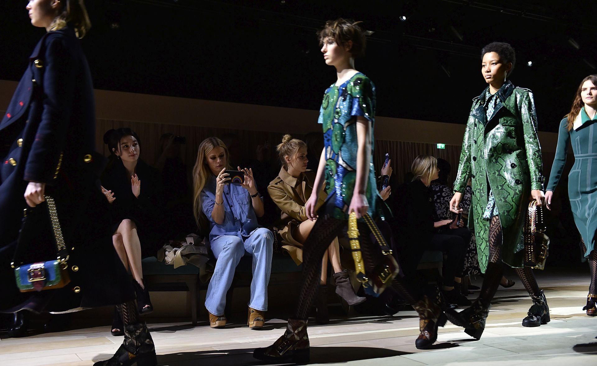 Burberry uveo trend nabave nove modne kolekcije ravno s modne piste