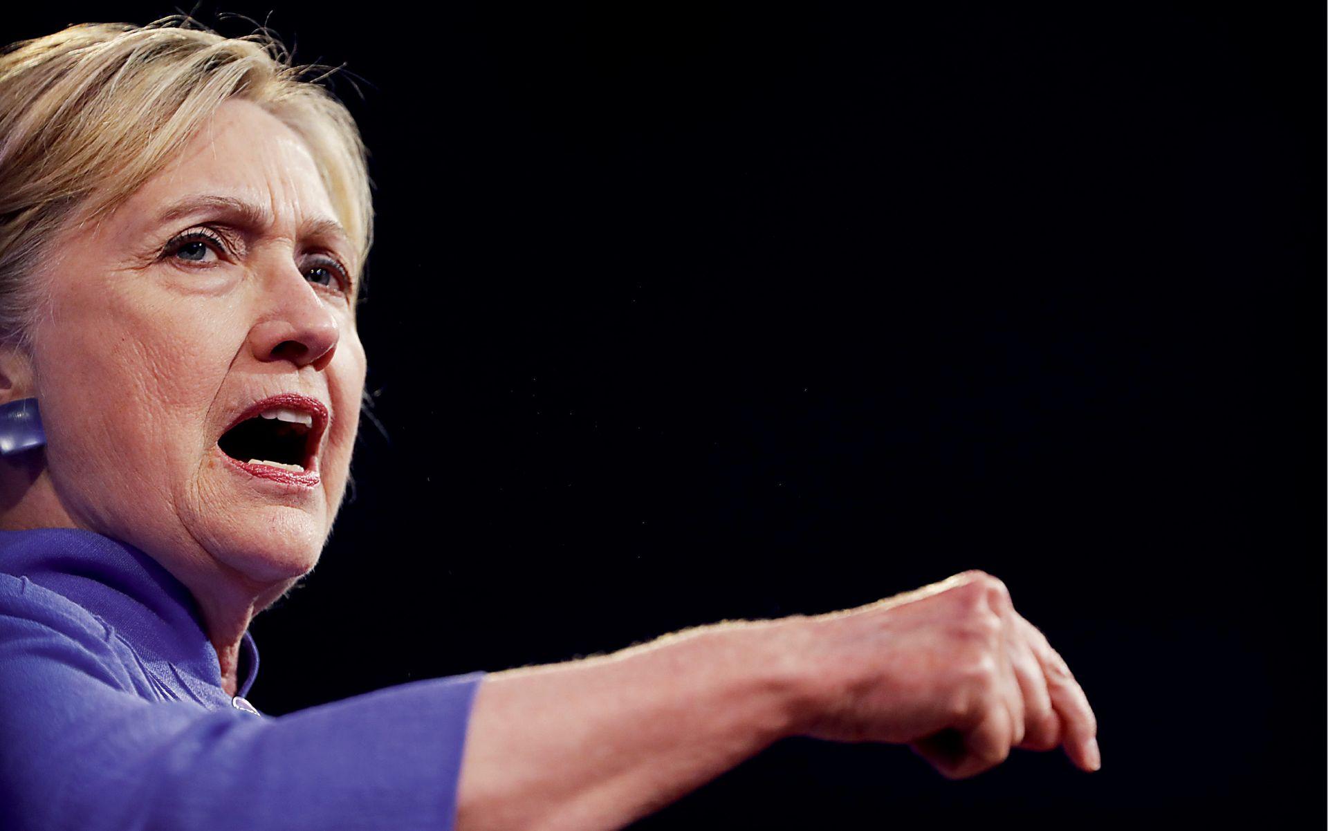 BOLEST IZAZVALA PANIKU: Demokrati traže zamjenu za Hillary Clinton