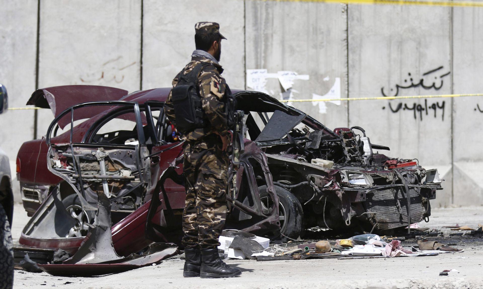 DVOSTRUKI BOMBAŠKI NAPAD U KABULU Najmanje 24 mrtva, gotovo 100 ranjenih