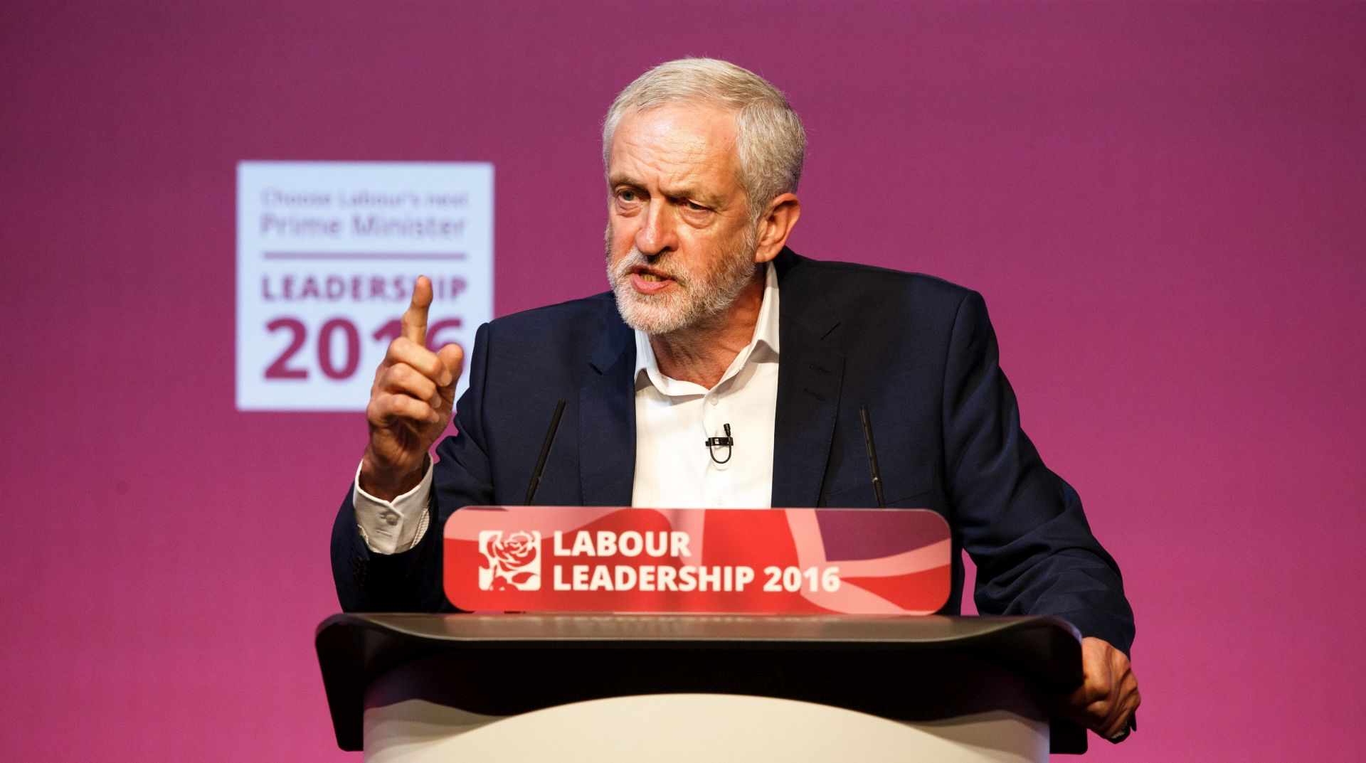 Jeremy Corbyn premoćno izabran za predsjednika laburista