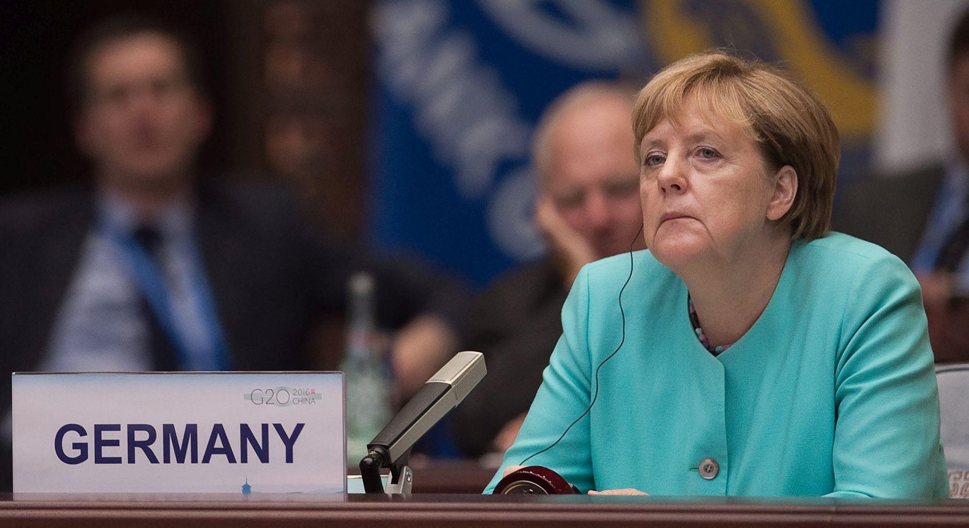 Merkel preuzela odgovornost za poraz, ali ostaje pri svom