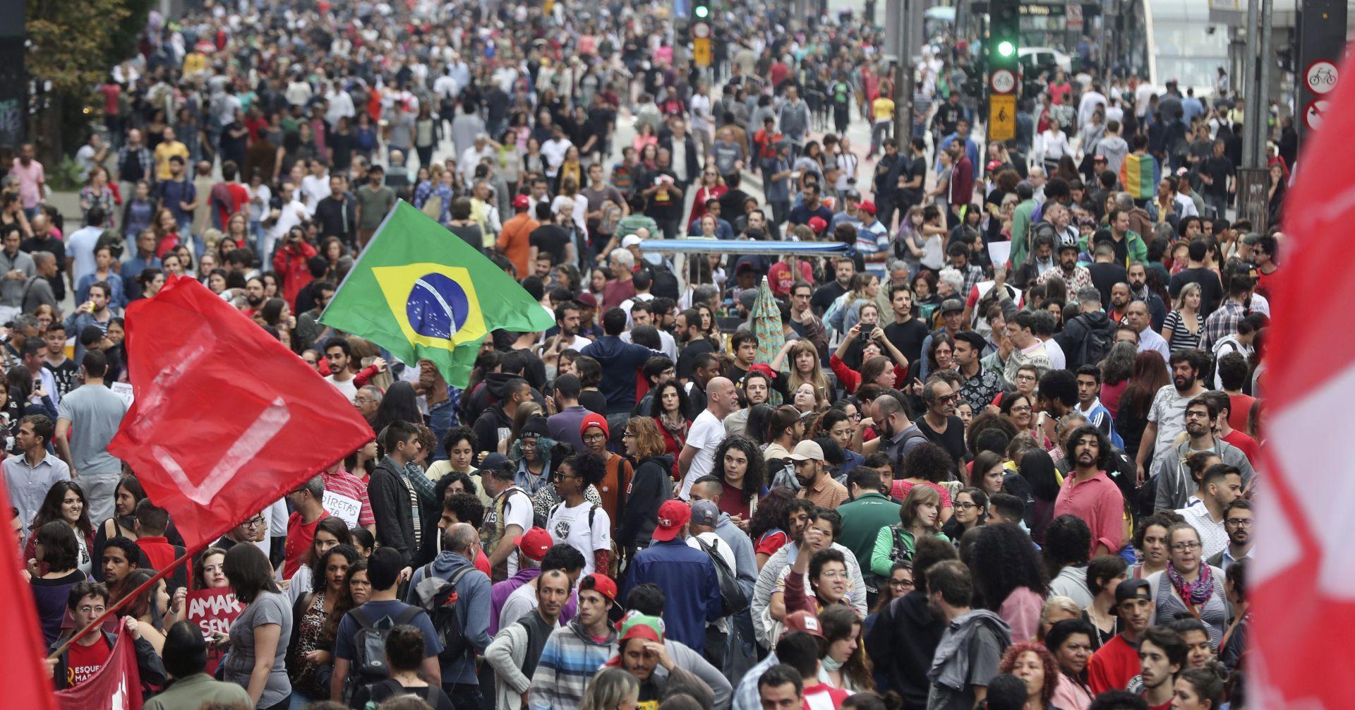 Brazilska policija suzavcem rastjerala prosvjednike protiv novog predsjednika Temera