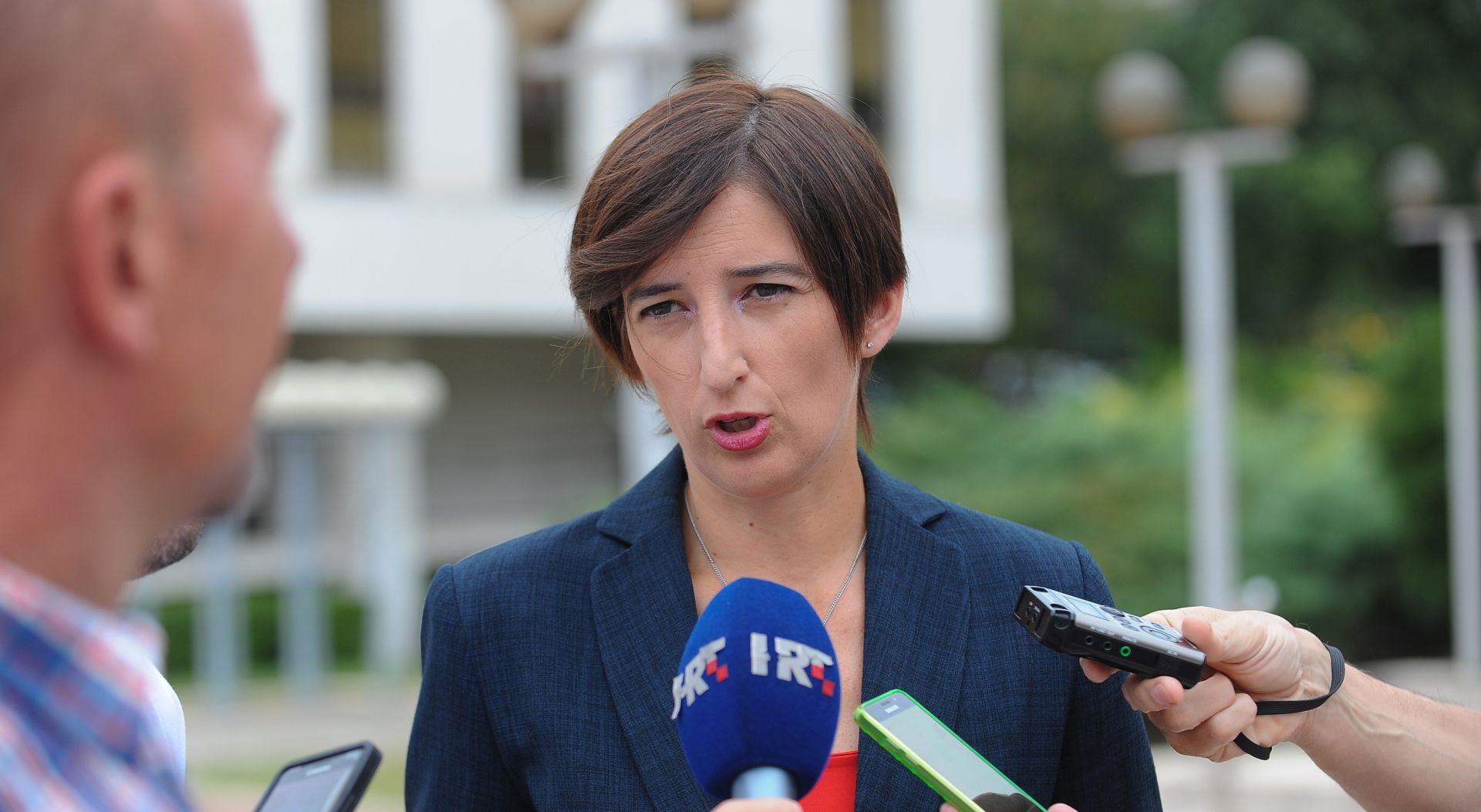 """PAMETNO """"Jučer je Opara uzeo umirovljenicima da bi mogao financirati HDZ-ove savjetnike"""""""