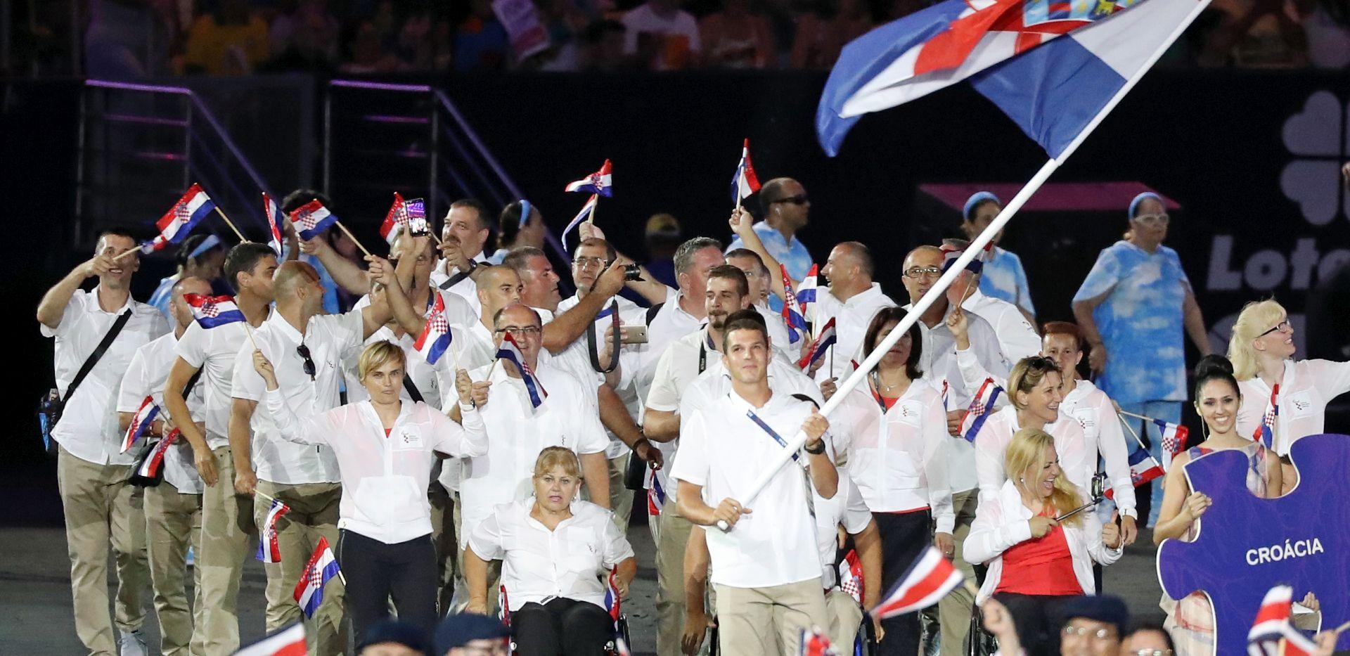 POI RIO Budetić: Velika je čast nositi hrvatsku zastavu