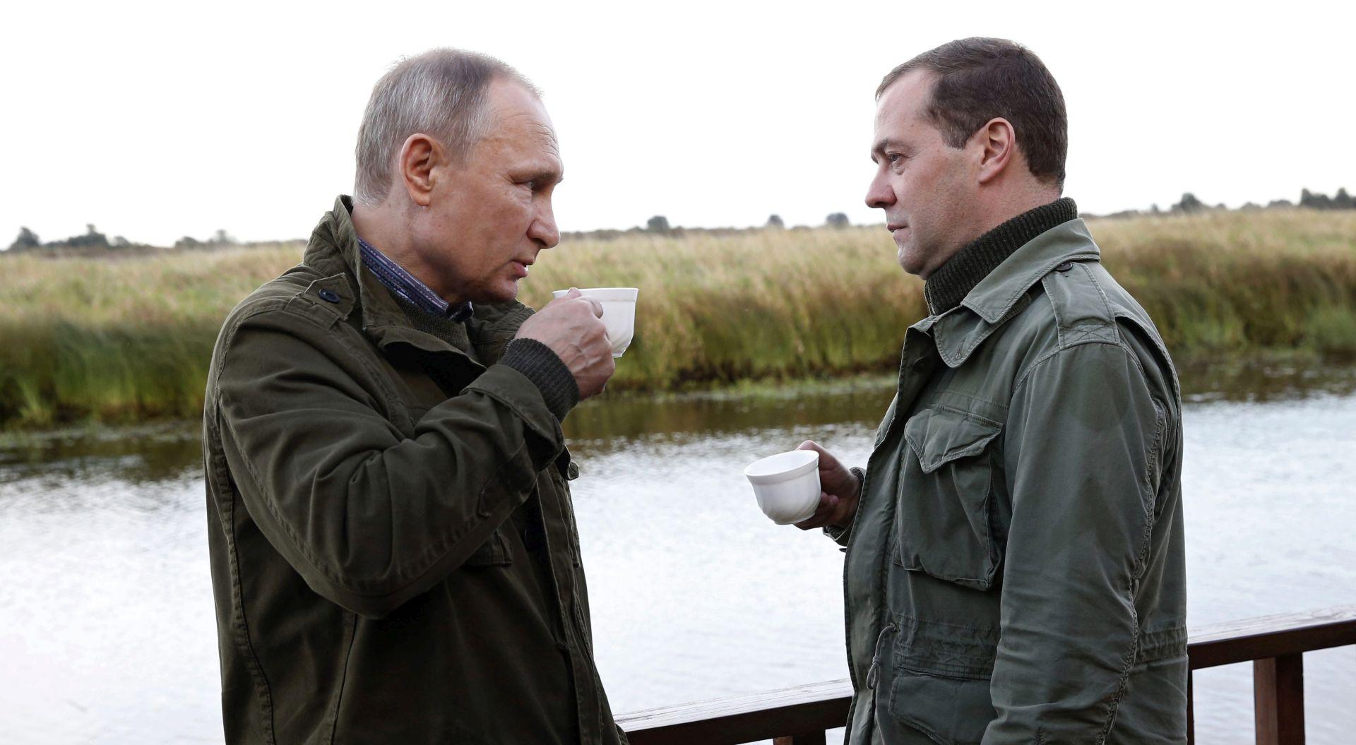 Medvedev: Rusija neće tiskati novac za pokrivanje proračunskih rupa